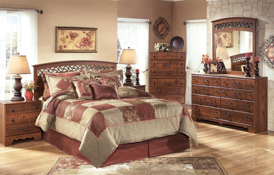 Signature Design by Ashley Pine Ridge 4 Piece Bedroom Group - Item Number: B258-55+31+36+92