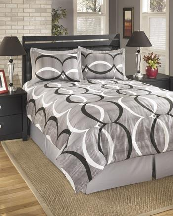 Queen Primo Alloy Top of Bed Set