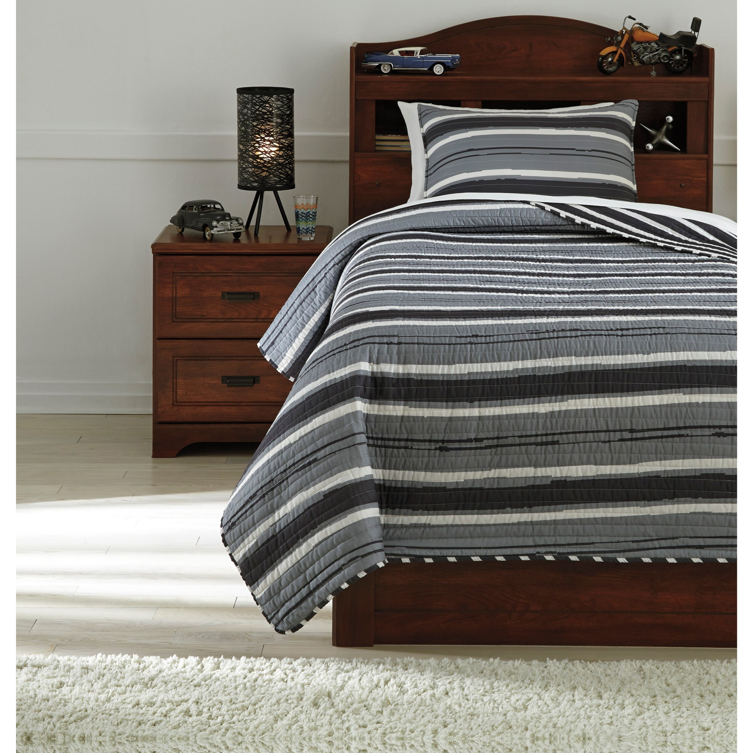 Twin Merlin Coverlet Set