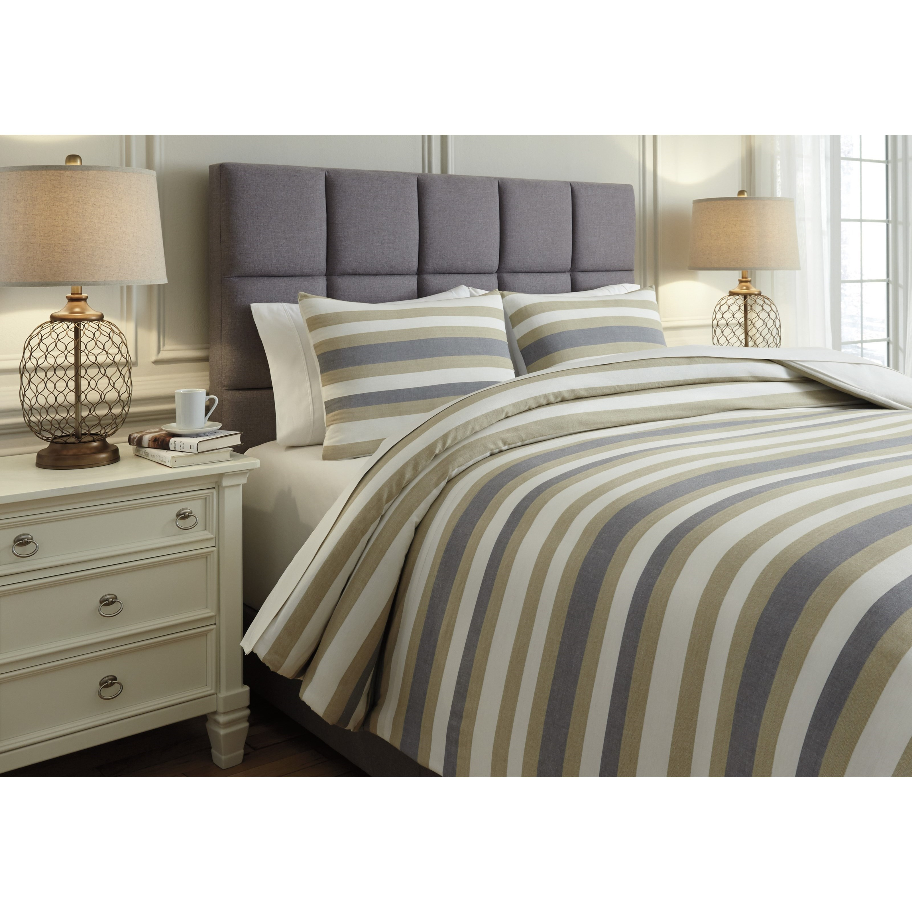 Ashley Signature Design Bedding Sets Queen Isaiah Gray