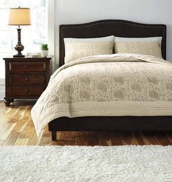 Signature Design by Ashley Bedding Sets Queen Paisley Natural Comforter Set - Item Number: Q457003Q