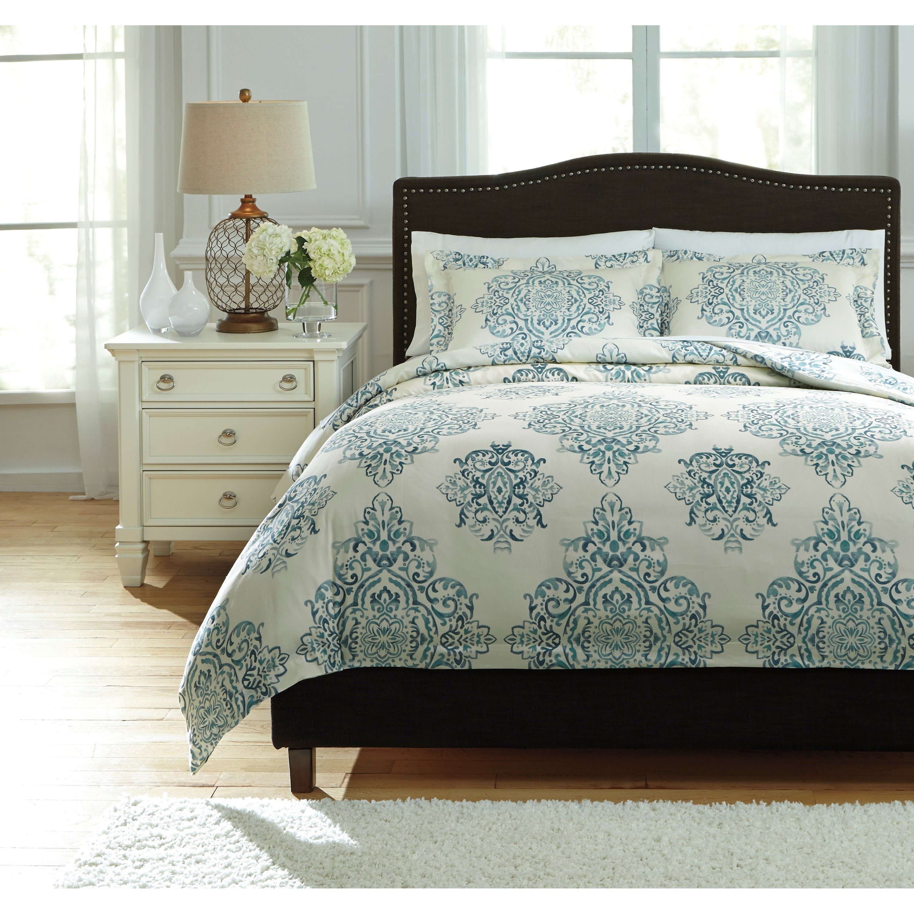 Signature Design by Ashley Bedding Sets King Fairholm Turquoise Duvet Cover Set - Item Number: Q728023K