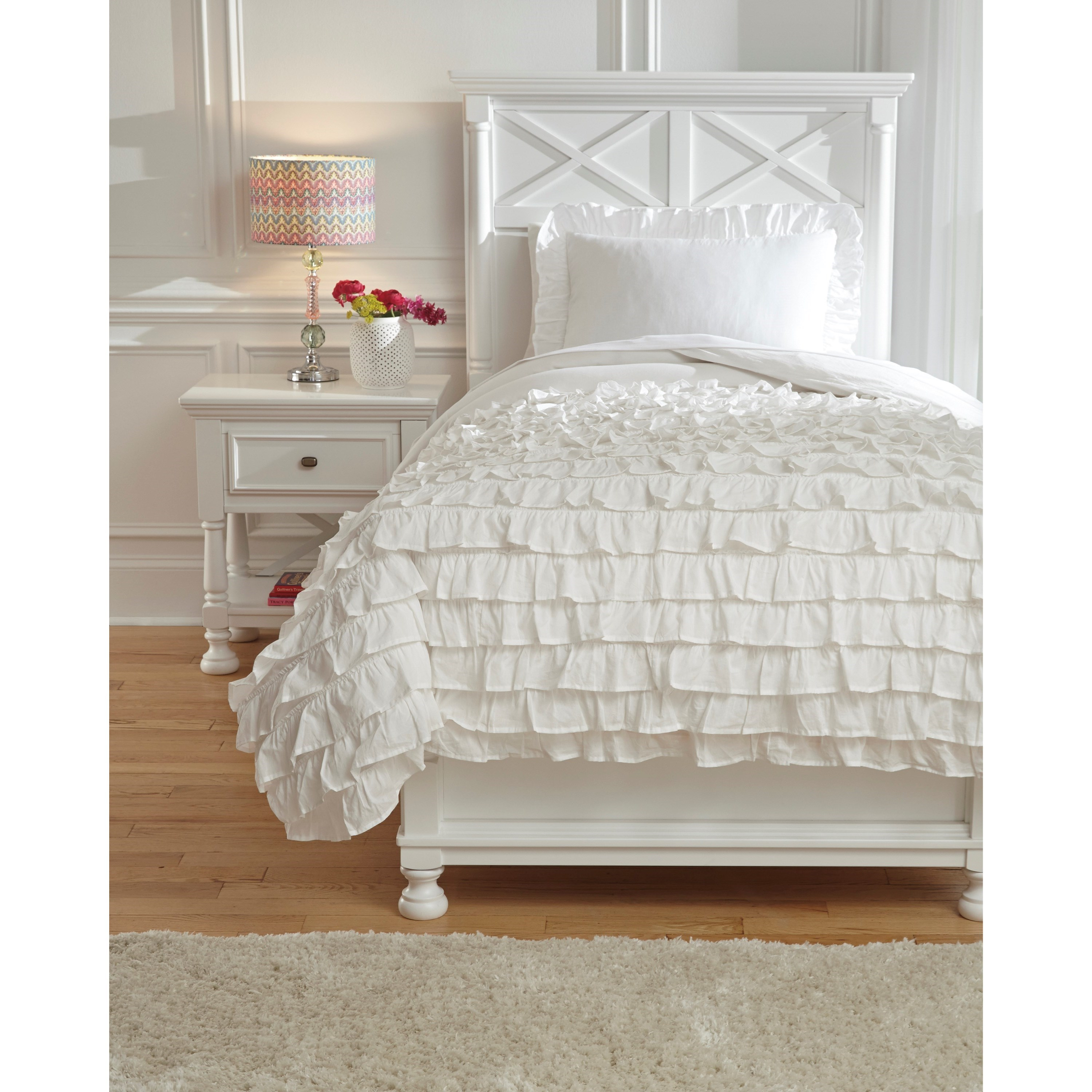 Signature Design by Ashley Bedding Sets Twin Aaronas White Duvet Cover Set - Item Number: Q746001T