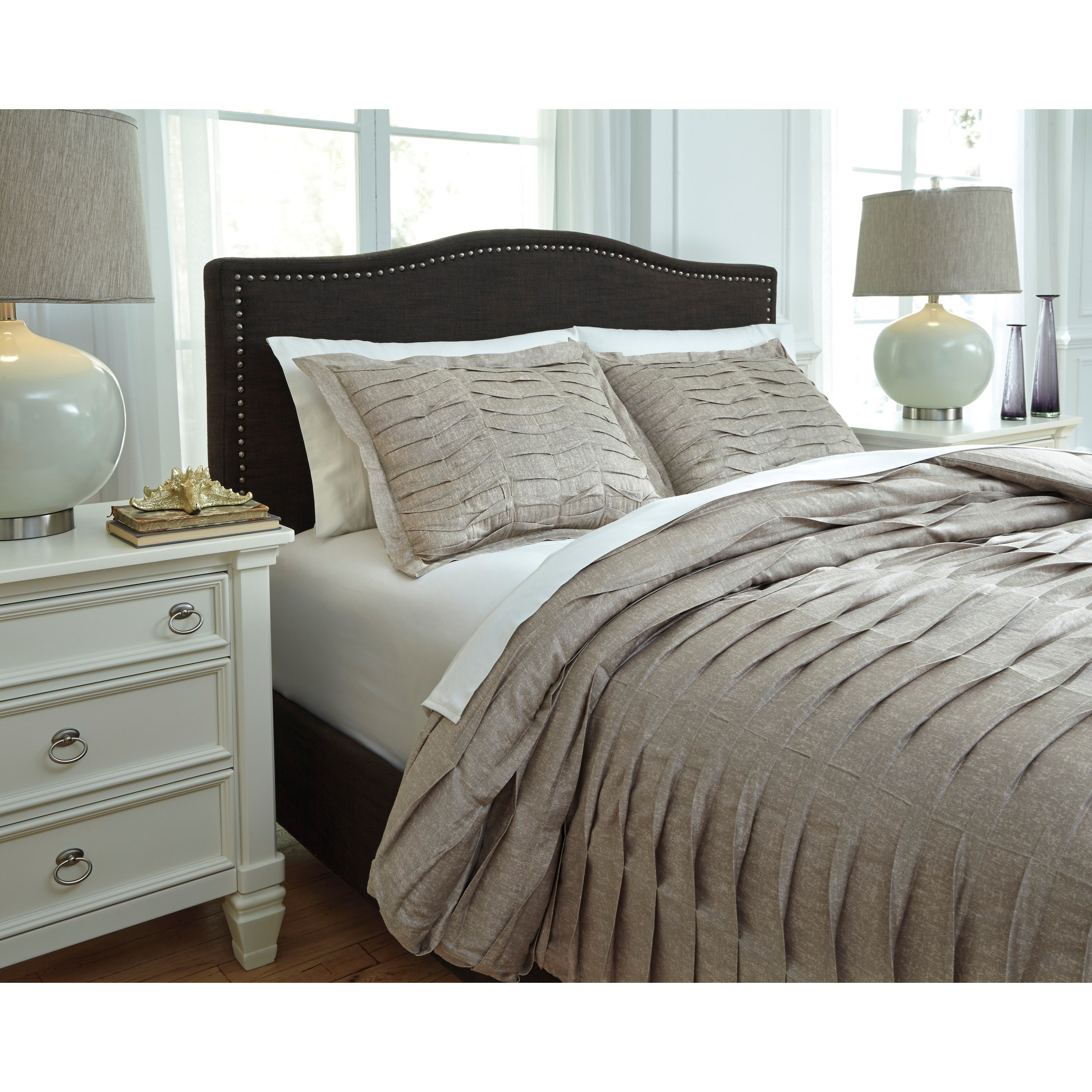 Signature Design By Ashley Bedding Sets Q752003k King