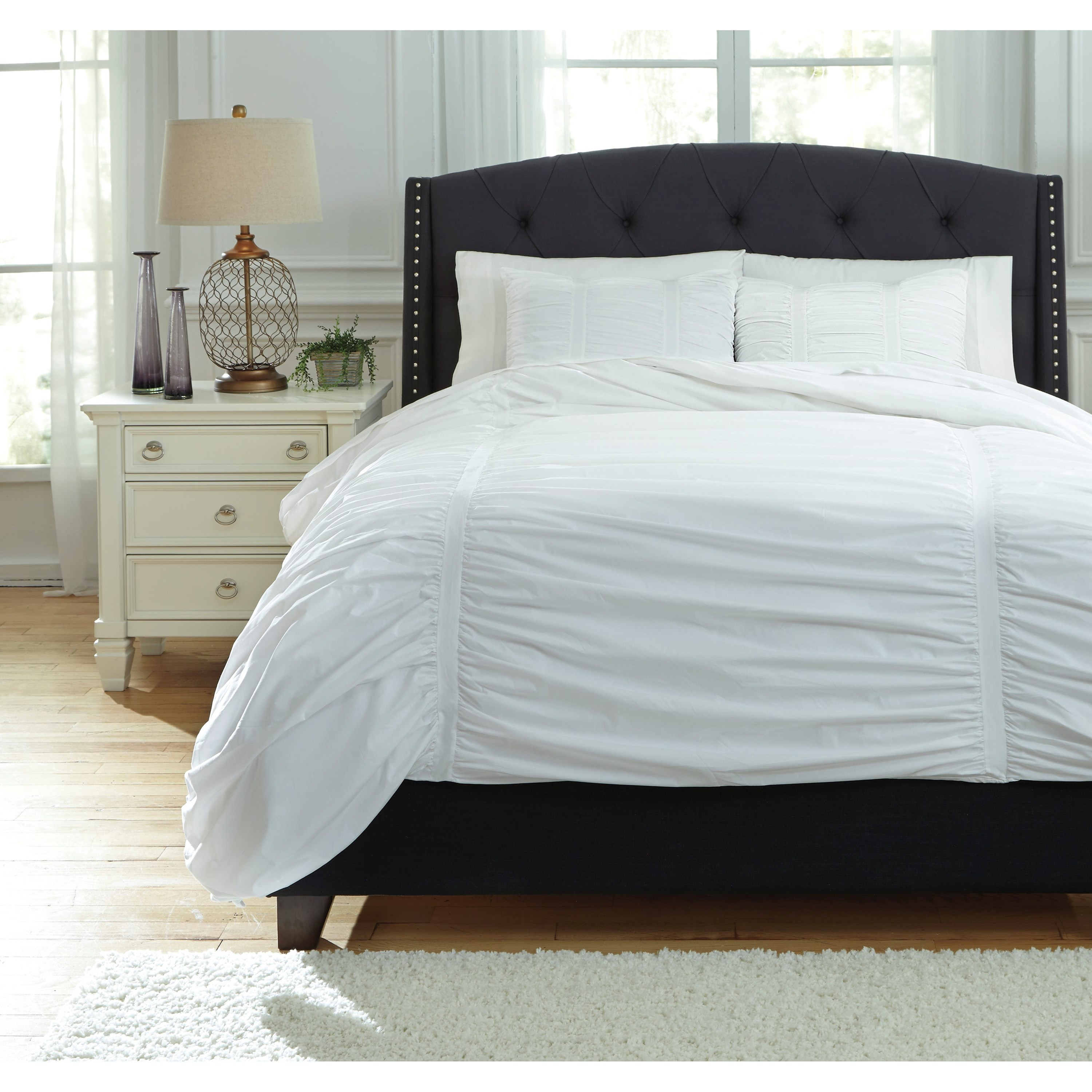 Signature Design by Ashley Bedding Sets Queen Tufton White Duvet Cover Set - Item Number: Q753003Q