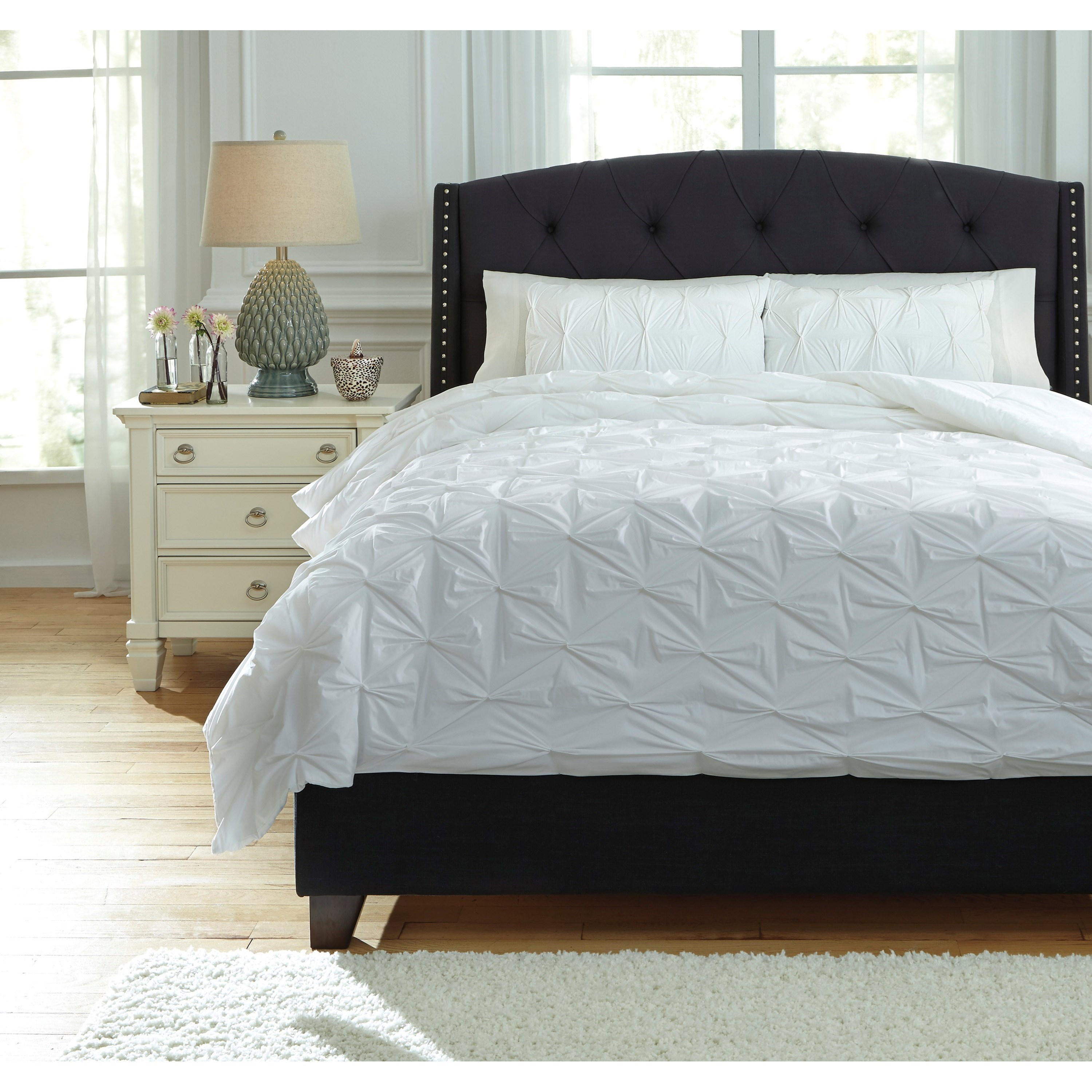 Signature Design by Ashley Bedding Sets King Rimy White Comforter Set - Item Number: Q756013K