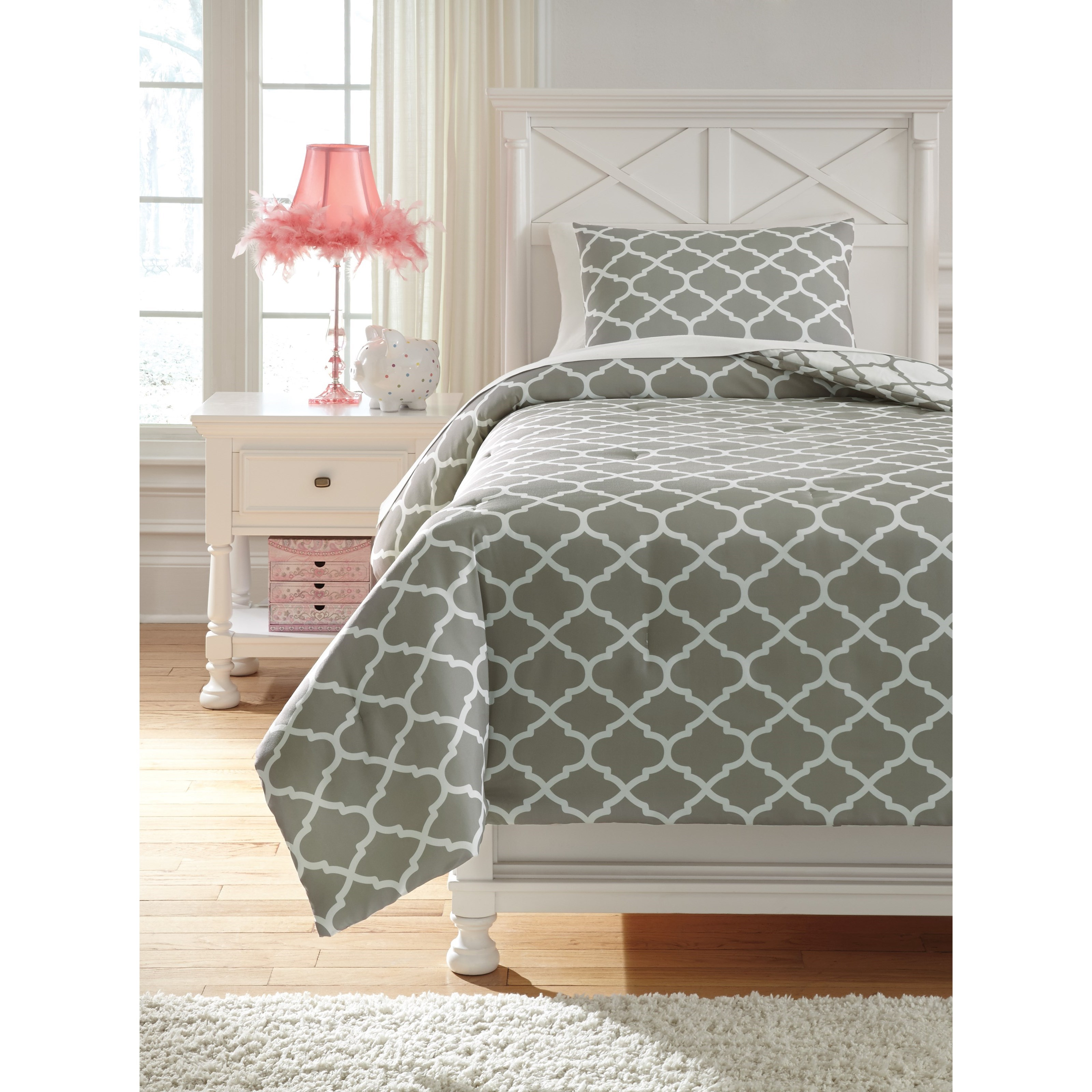 Twin Media Gray/White Comforter Set