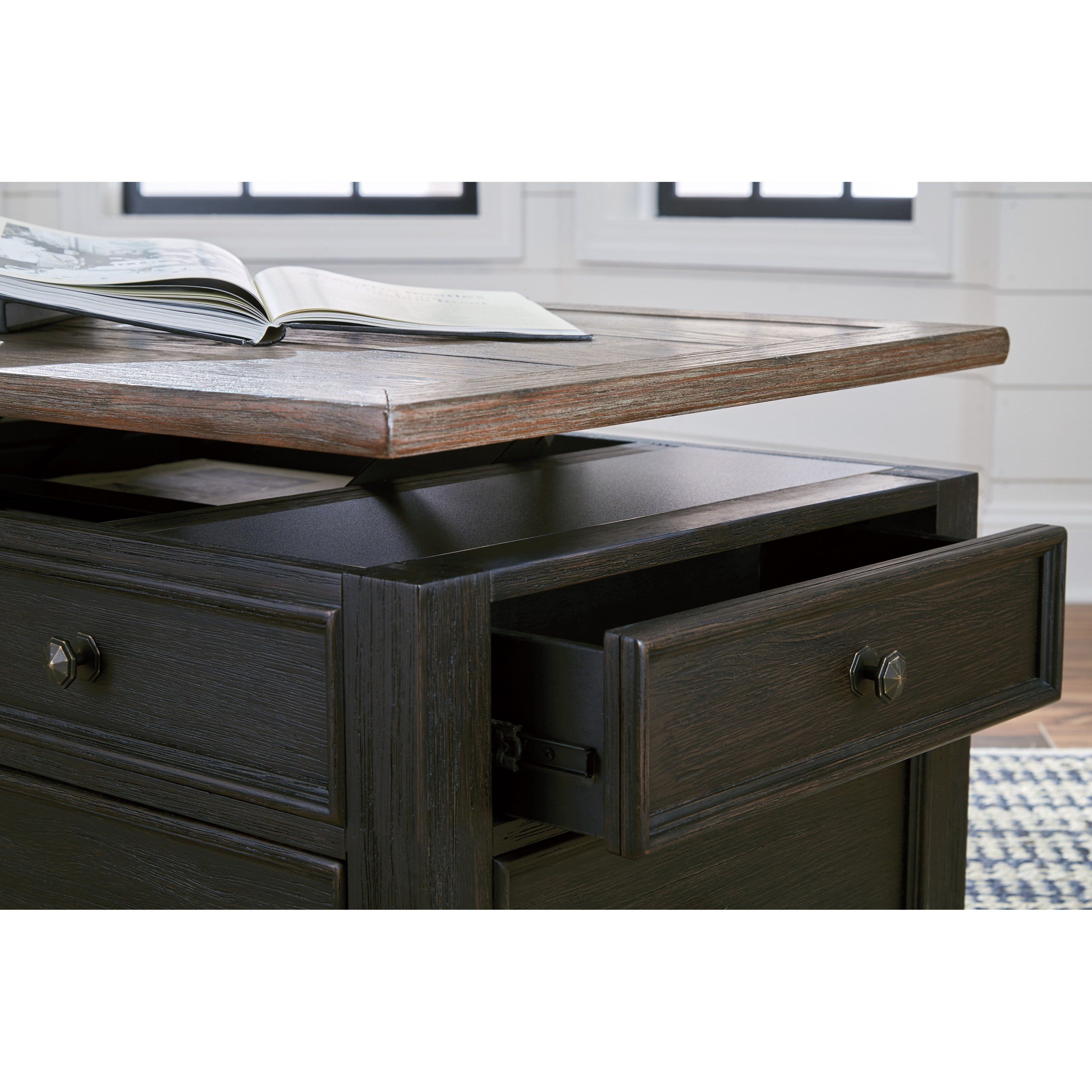 Signature Design By Ashley Tyler Creek Lift Top Cocktail Table With 4 Drawers Royal Furniture