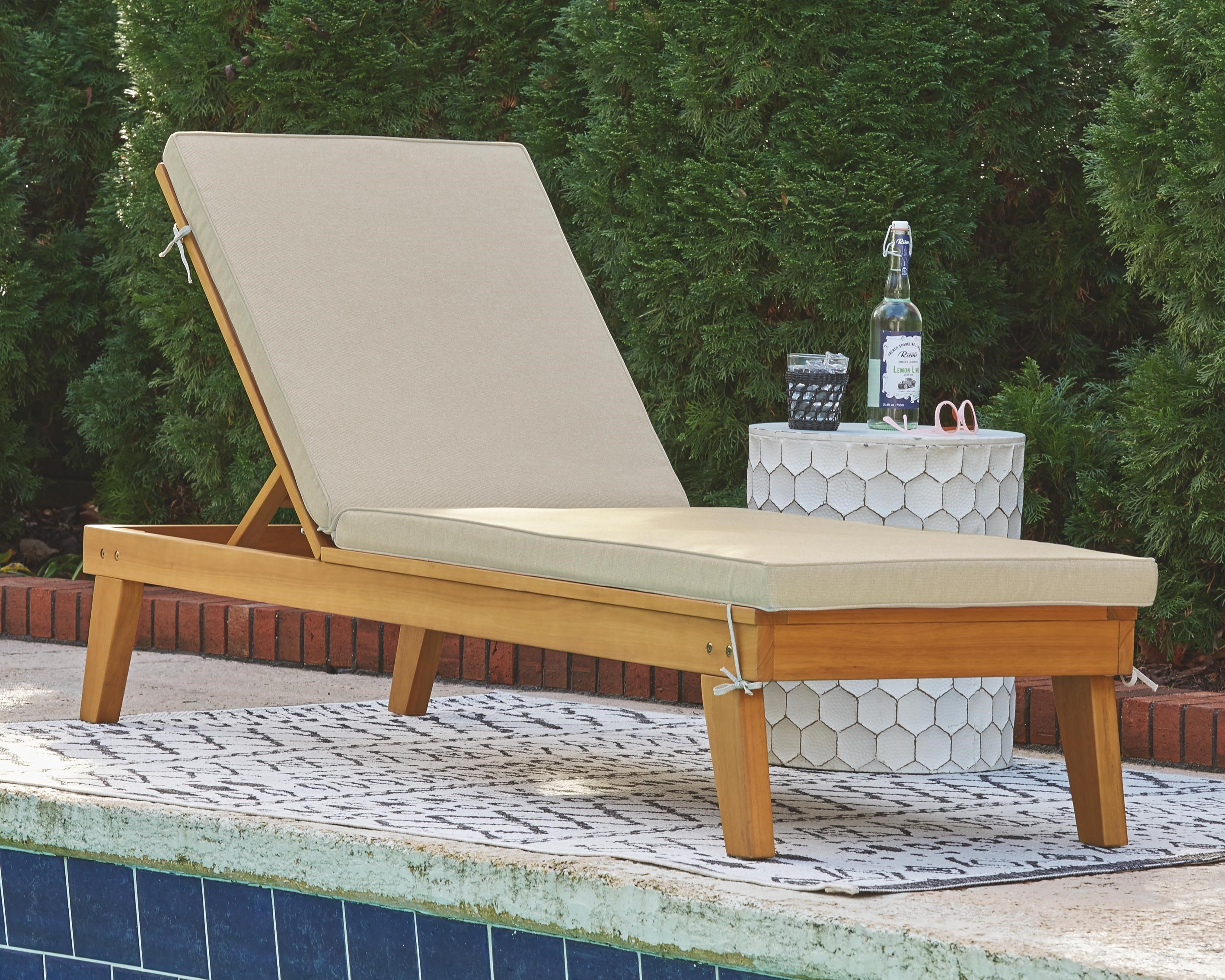 Byron Bay Chaise Lounge with Cushion by Ashley (Signature Design) at Johnny Janosik