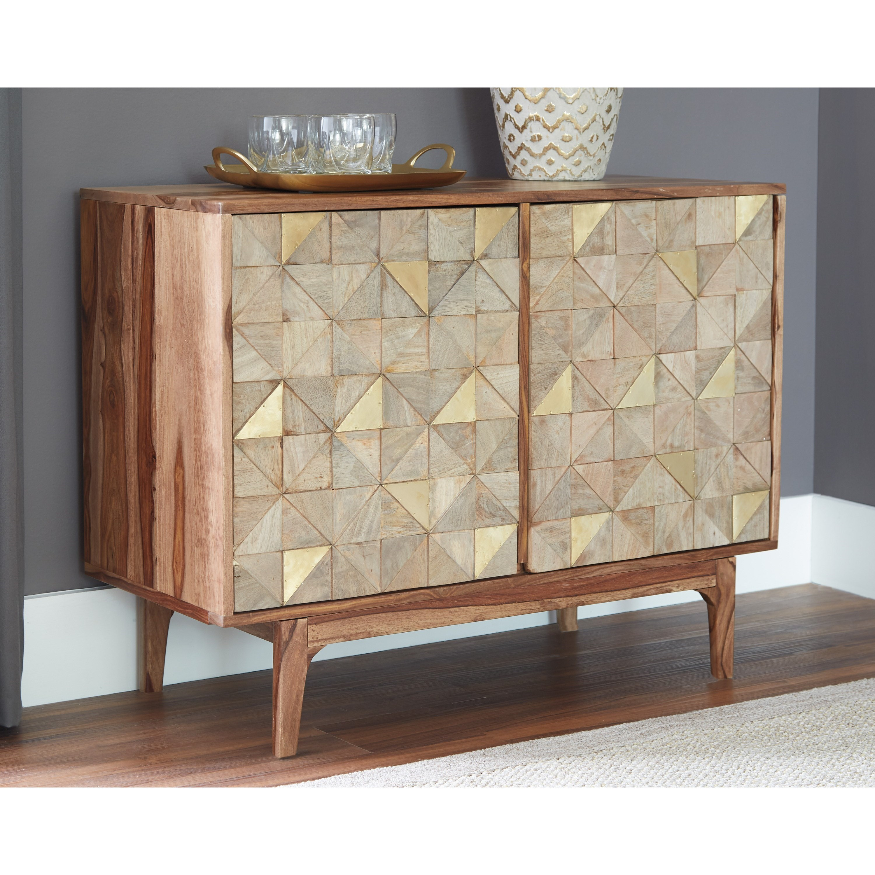 Levitz Home Furnishings: Signature Design By Ashley Carolmore A4000169 Accent