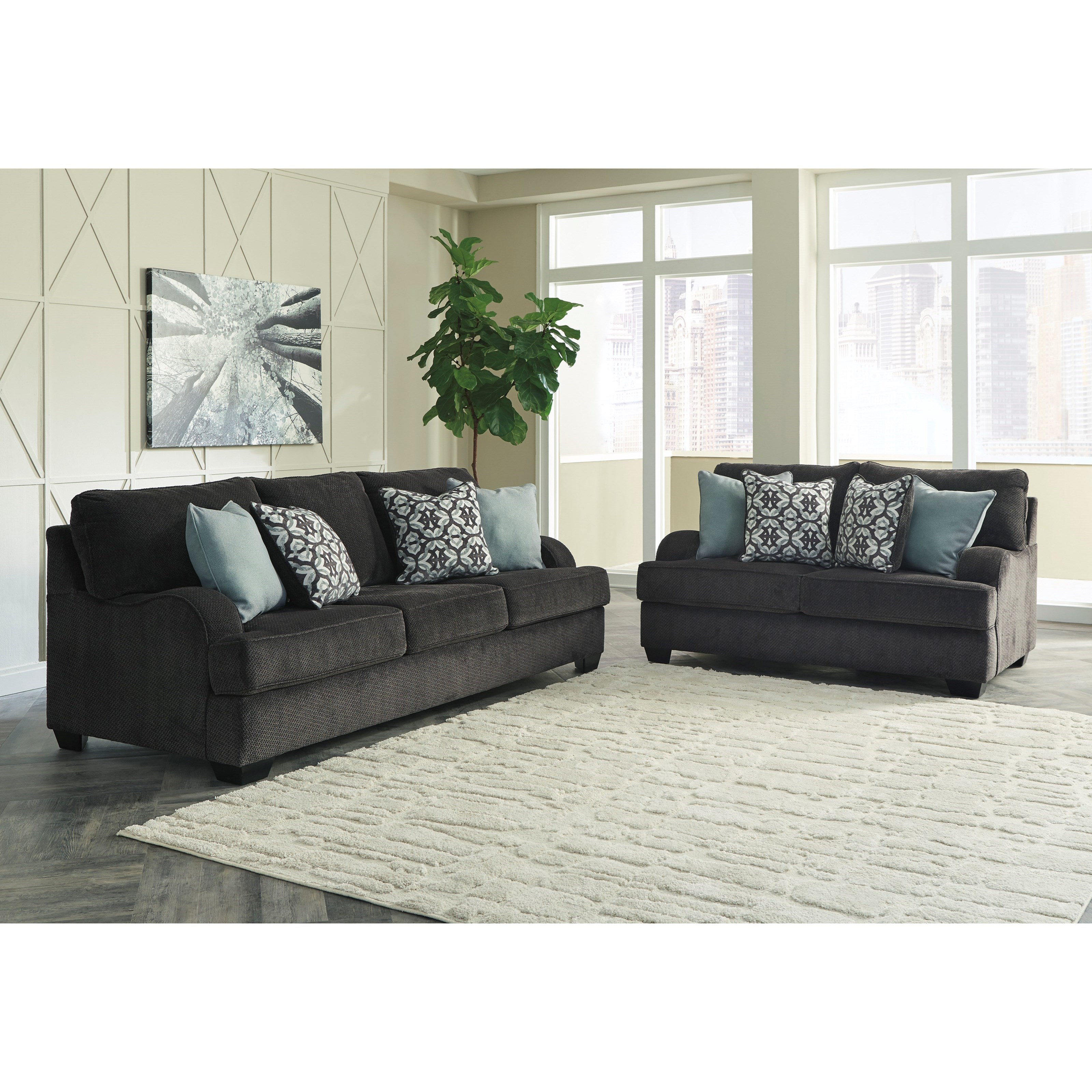 Benchcraft By Ashley Charenton Casual Sofa With English