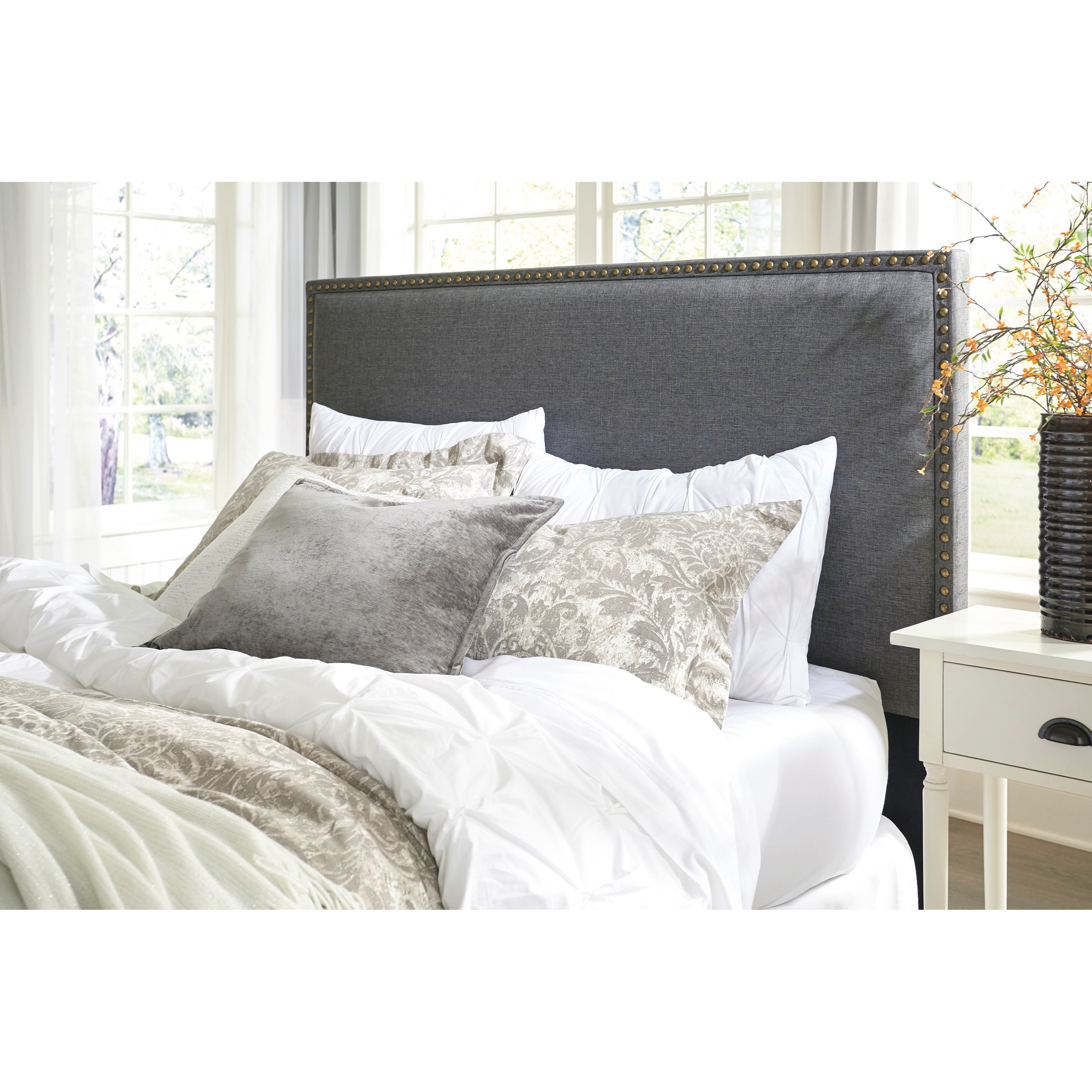 Ashley Signature Design Chasebrook Full/Queen Upholstered