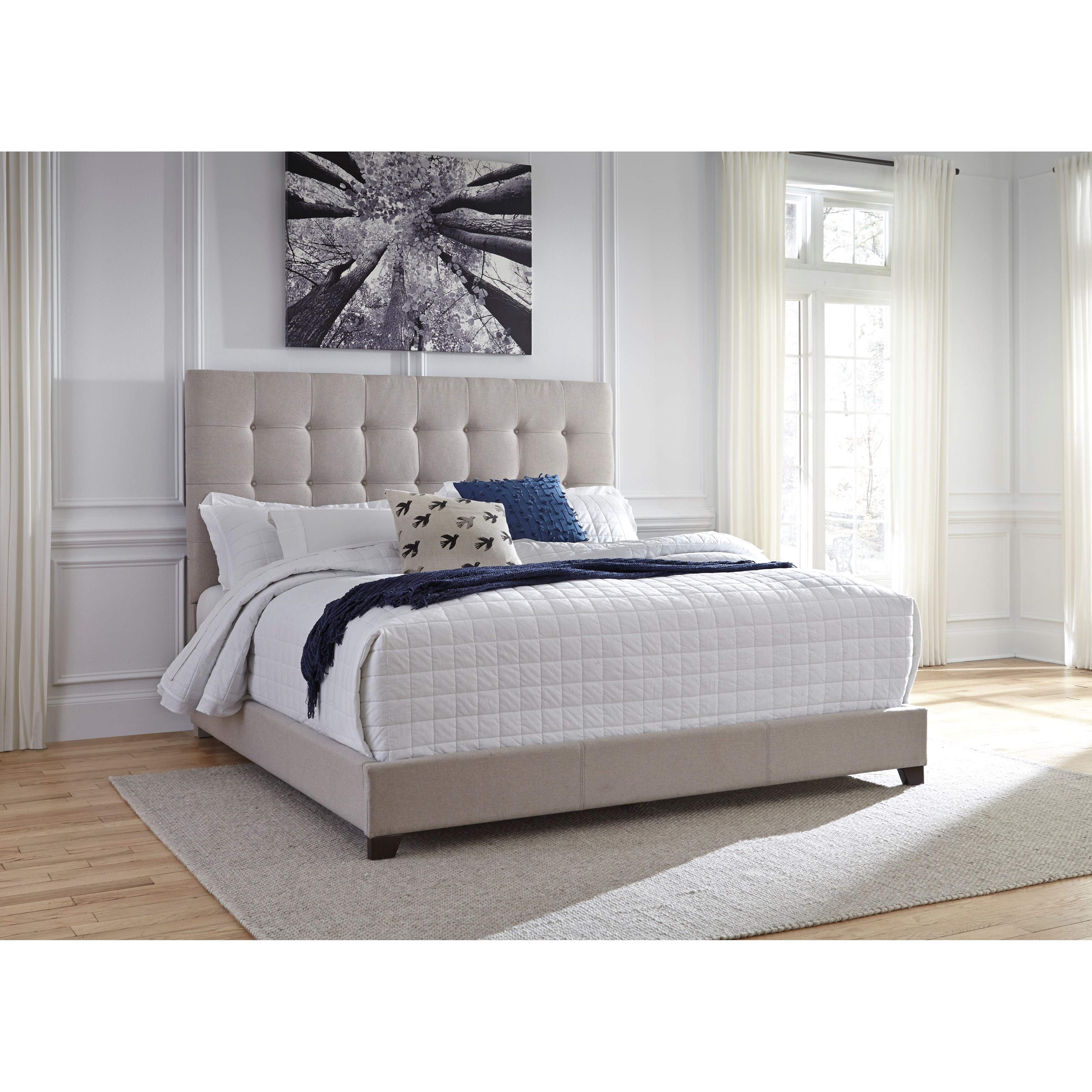 Signature Design By Ashley Dolante Queen Upholstered Bed W