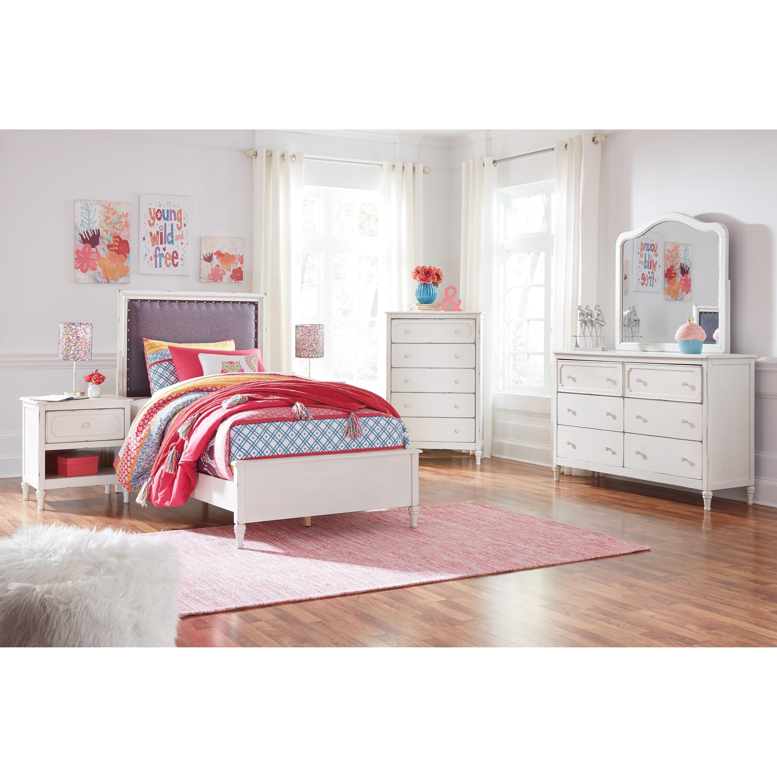 Ashley Furniture Manufacturer: Signature Design By Ashley Faelene Relaxed Vintage 1