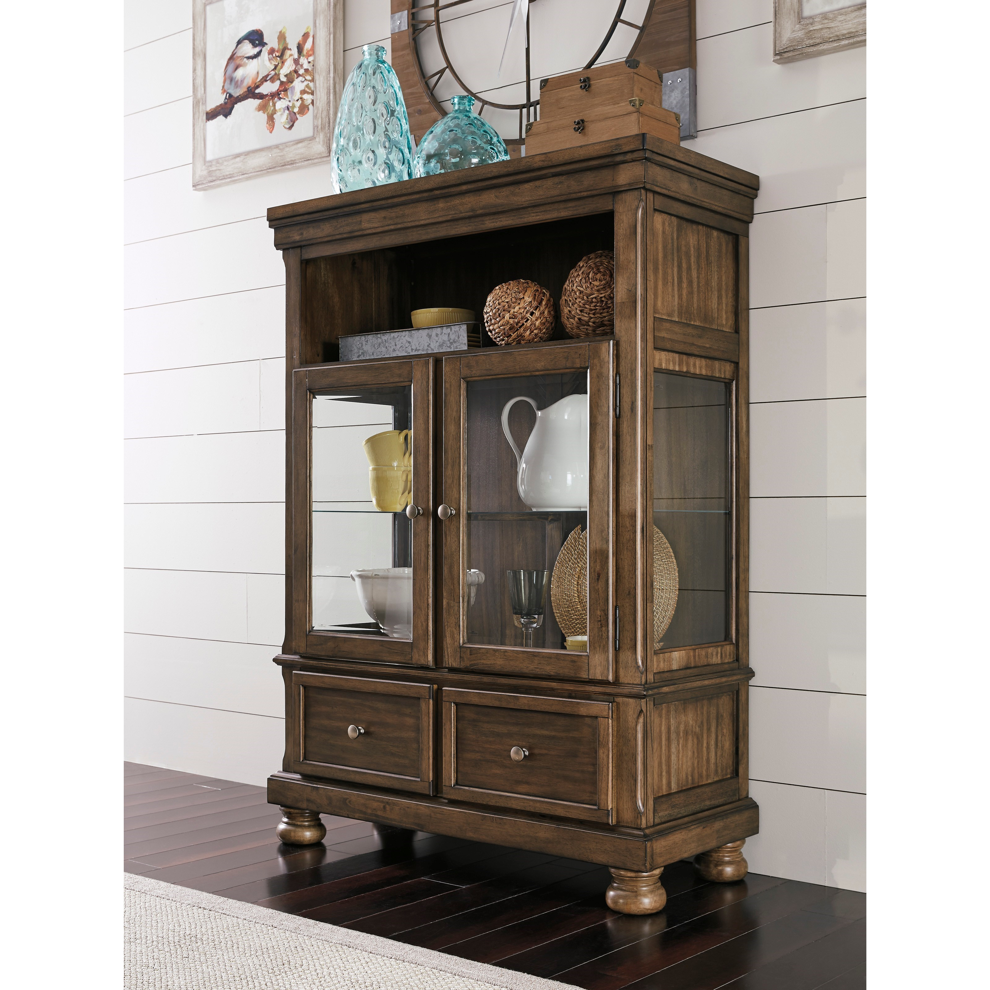 Ashley S Nest Decorating A Dining Room: Signature Design By Ashley Flynnter D719-86 Dining Curio