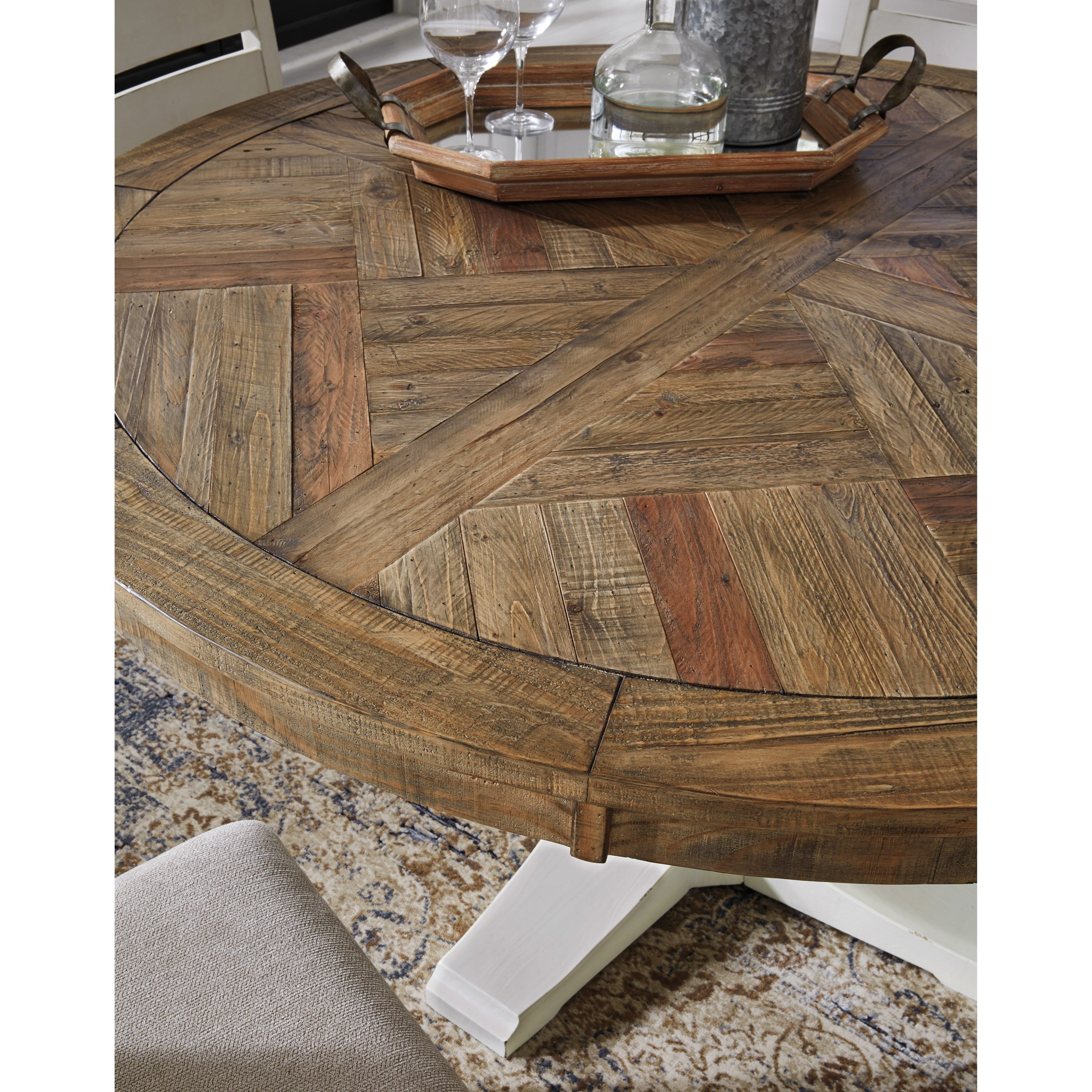 Grindleburg Dining Room Table Round: Benchcraft Grindleburg Round Dining Room Pedestal Table