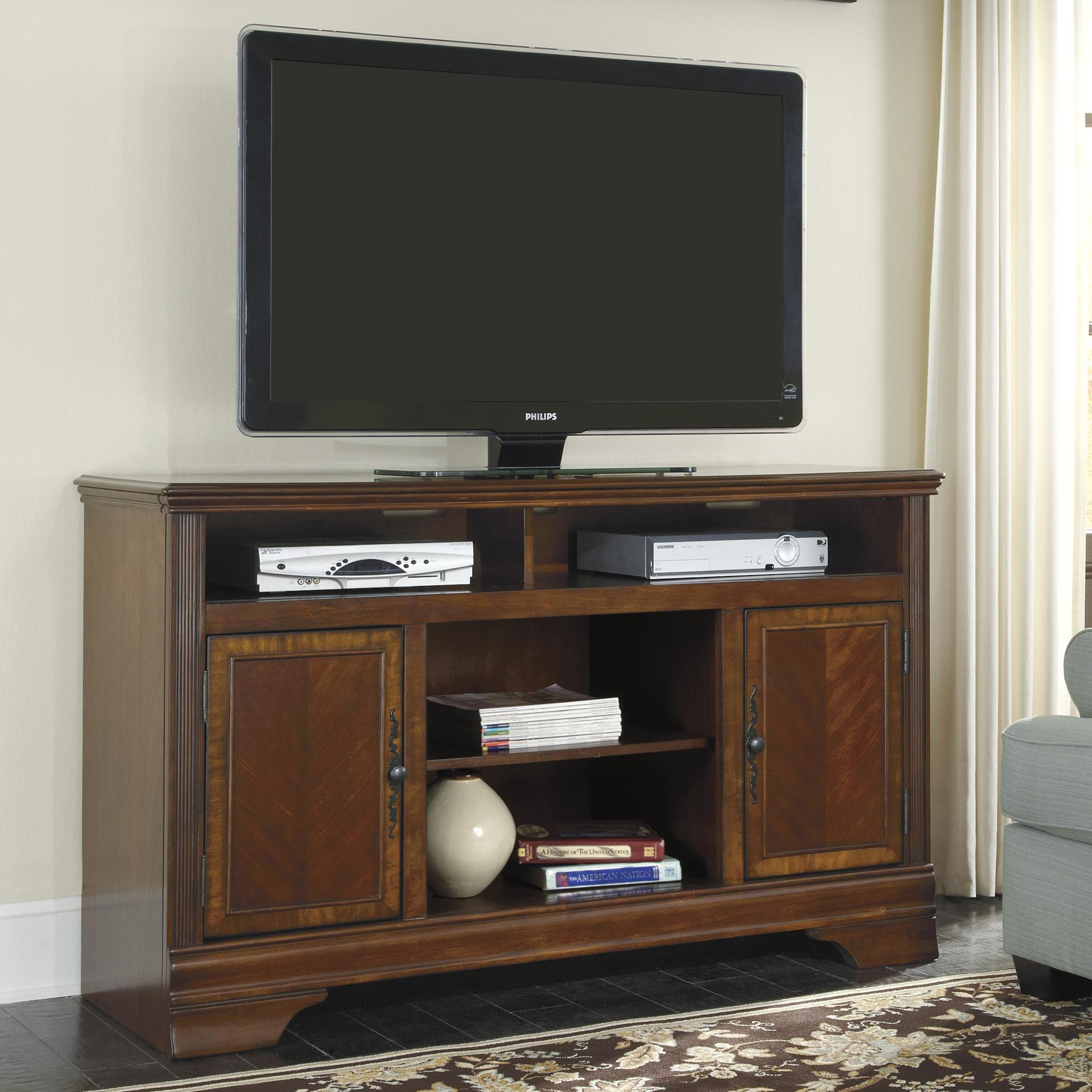 Signature Design by Ashley Hamlyn Large TV Stand - Item Number: W527-68