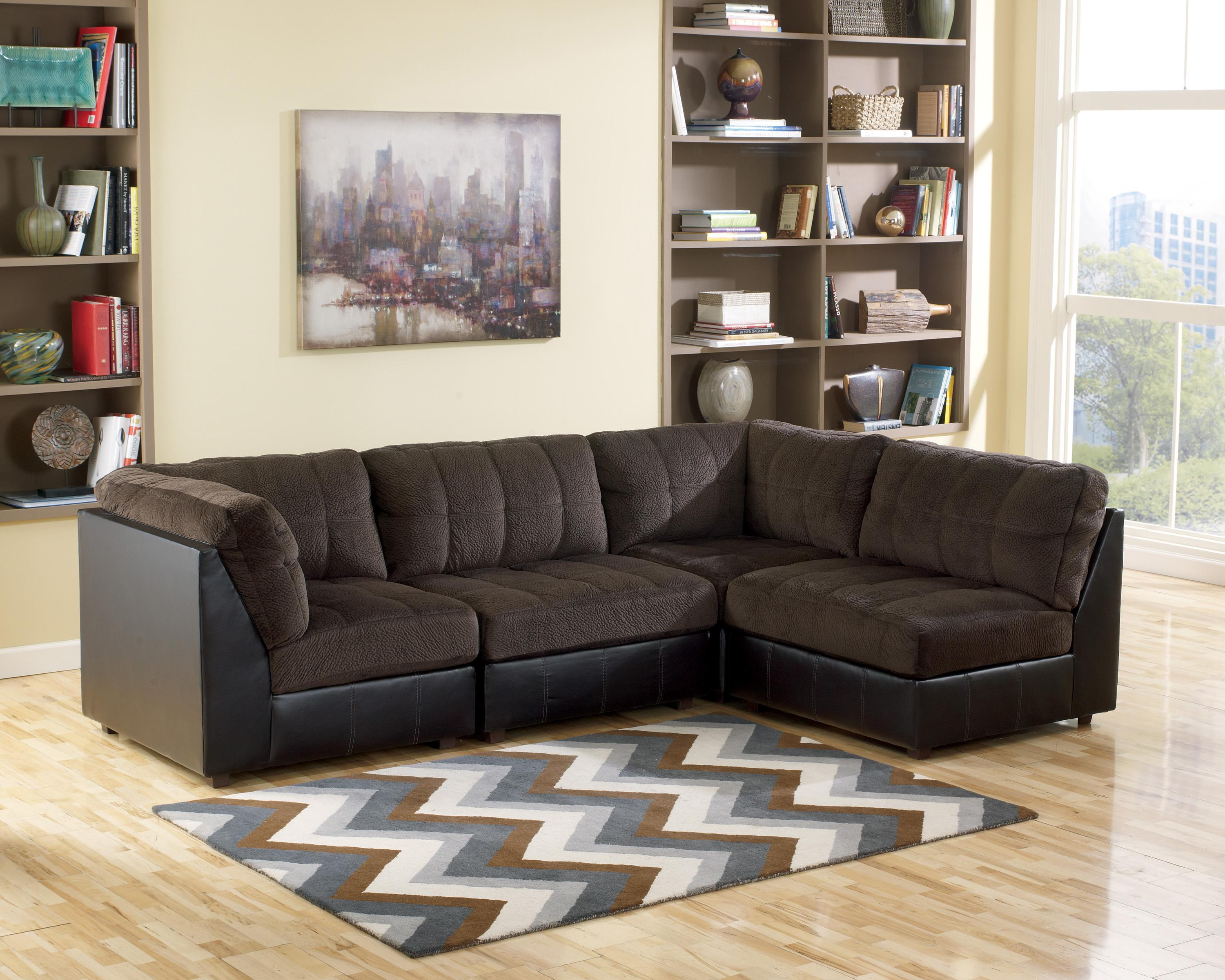 Signature Design By Ashley Hobokin Chocolate Contemporary 4  # Muebles En New Haven Ct
