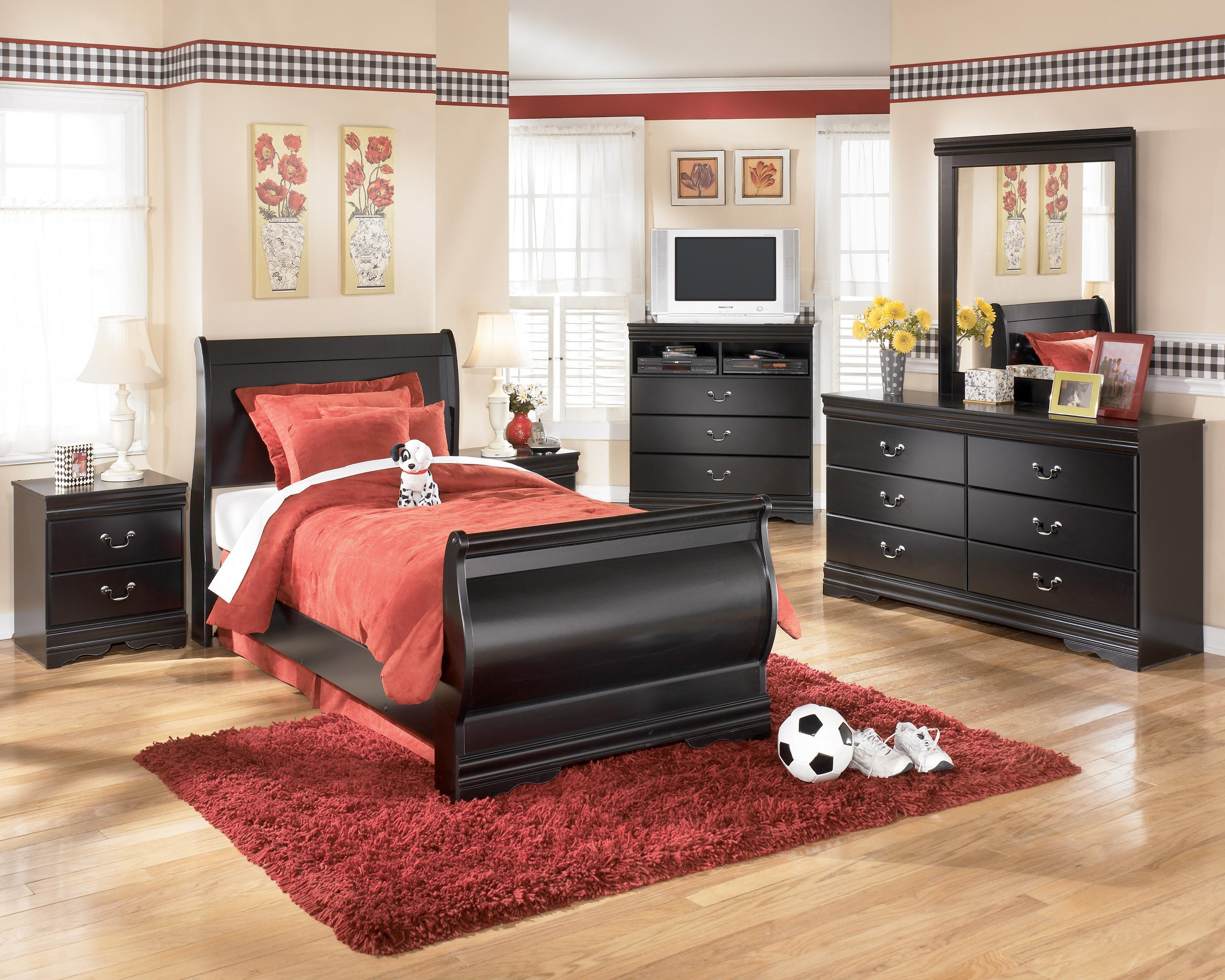 Signature Design by Ashley Huey Vineyard 4 Piece Bedroom Group - Item Number: B128 T 4 Piece