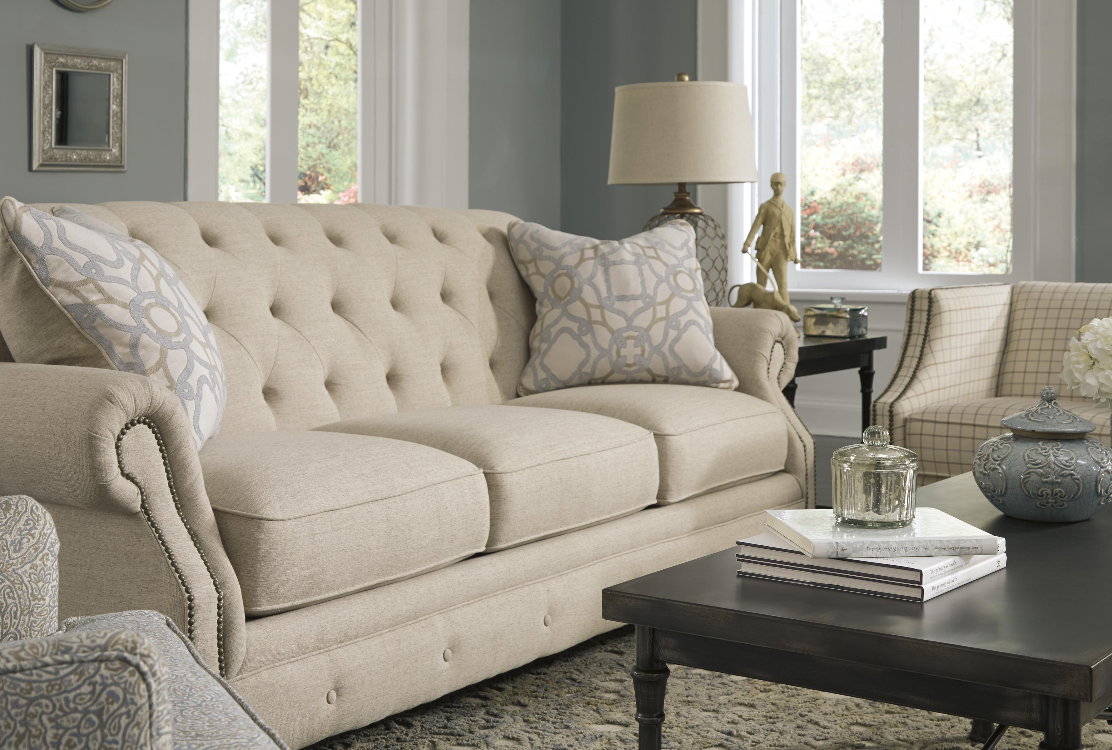 Signature Design By Ashley Kieran 4400038 Traditional Sofa