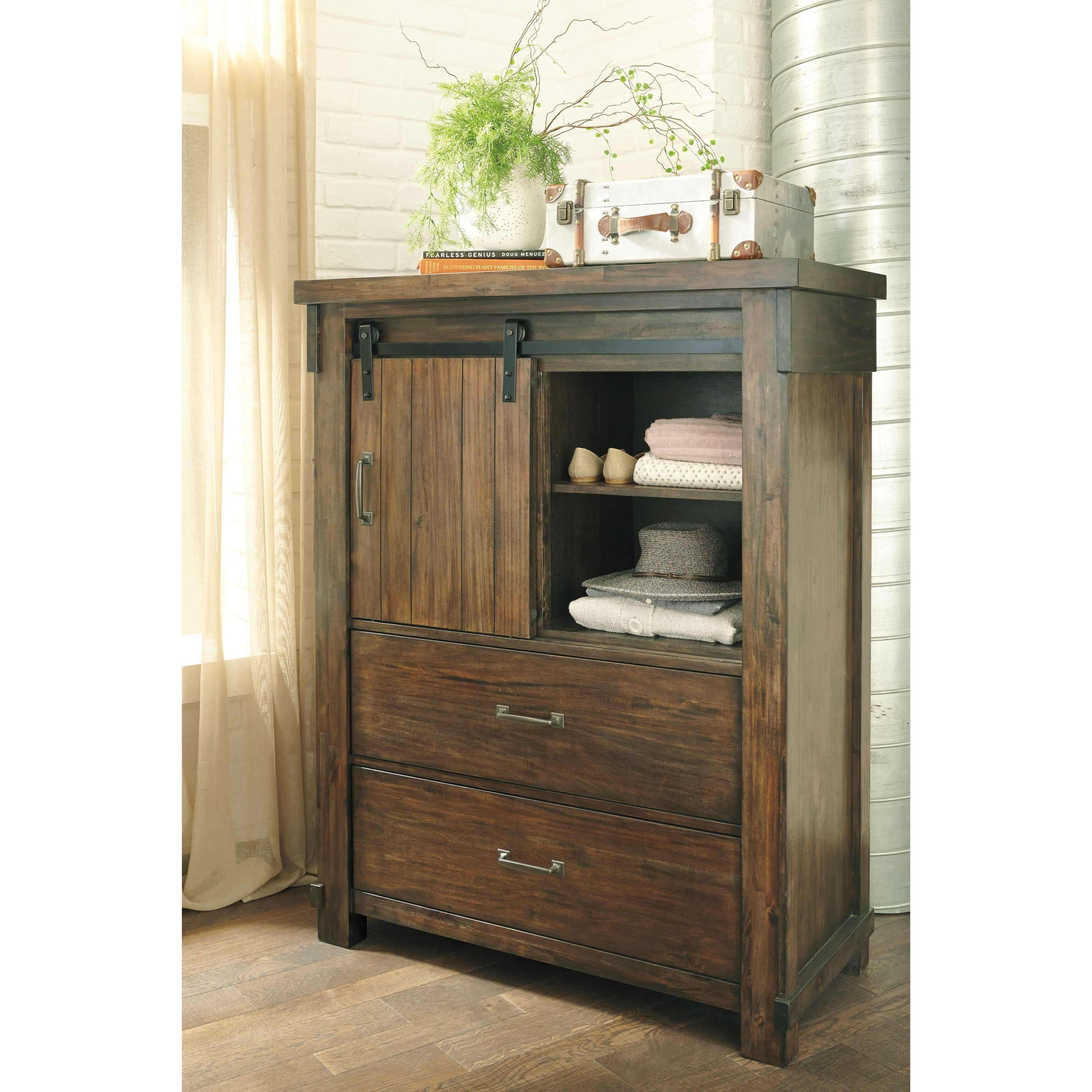 Ashley (Signature Design) Lakeleigh Five Drawer Chest With