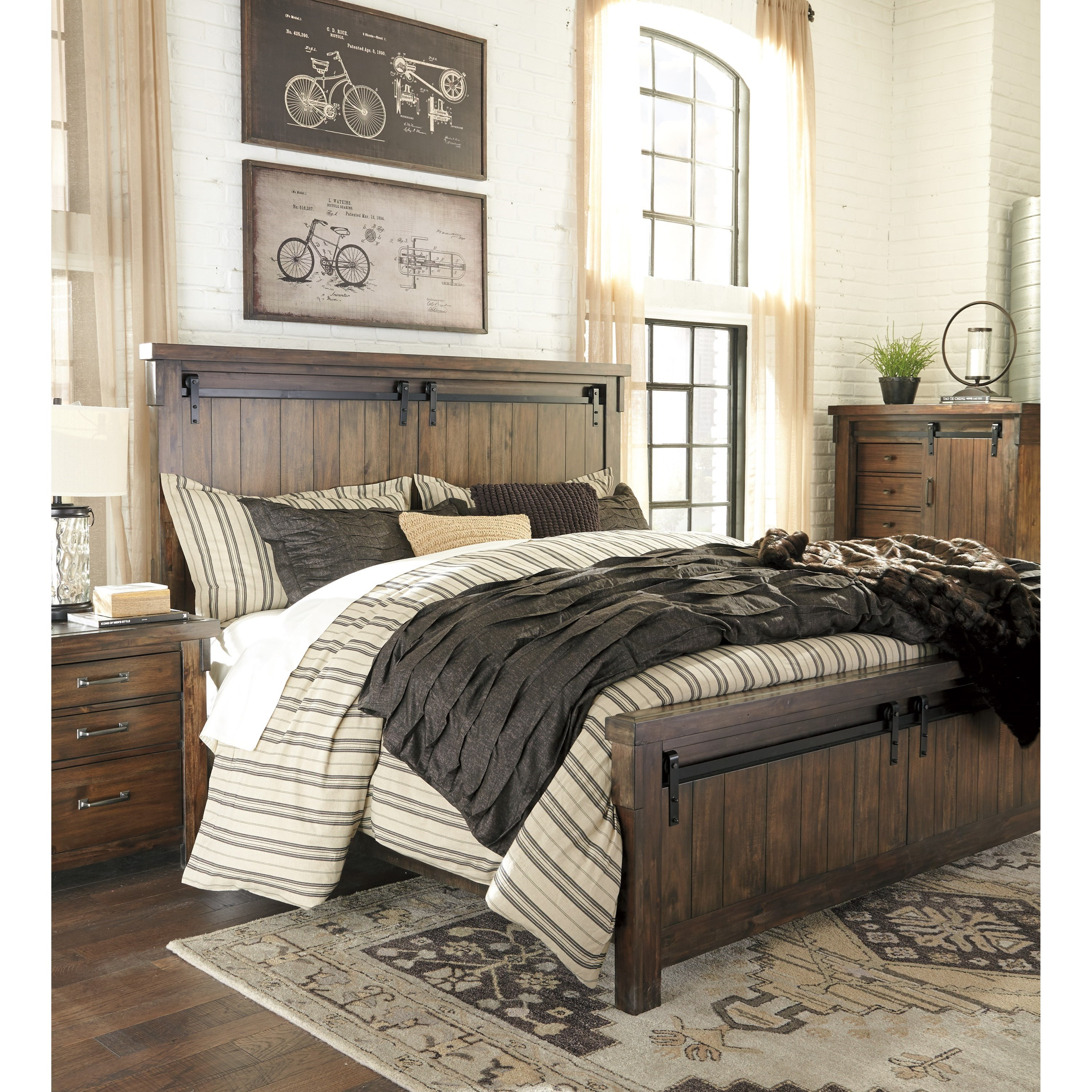 Ashley Signature Design Lakeleigh King Panel Bed With