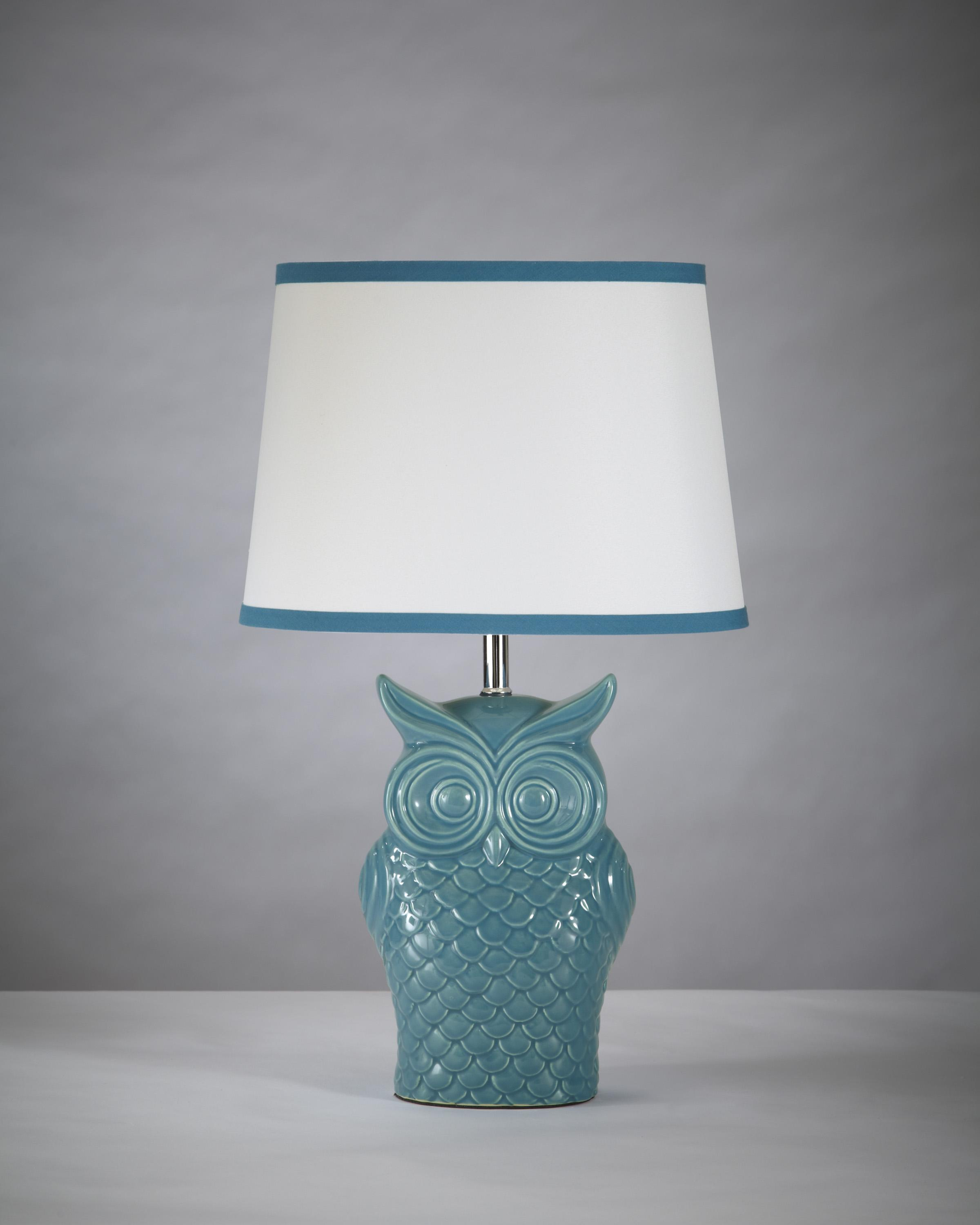 Signature Design by Ashley Lamps - Vintage Style Sarva Ceramic Table Lamp - Item Number: L846554