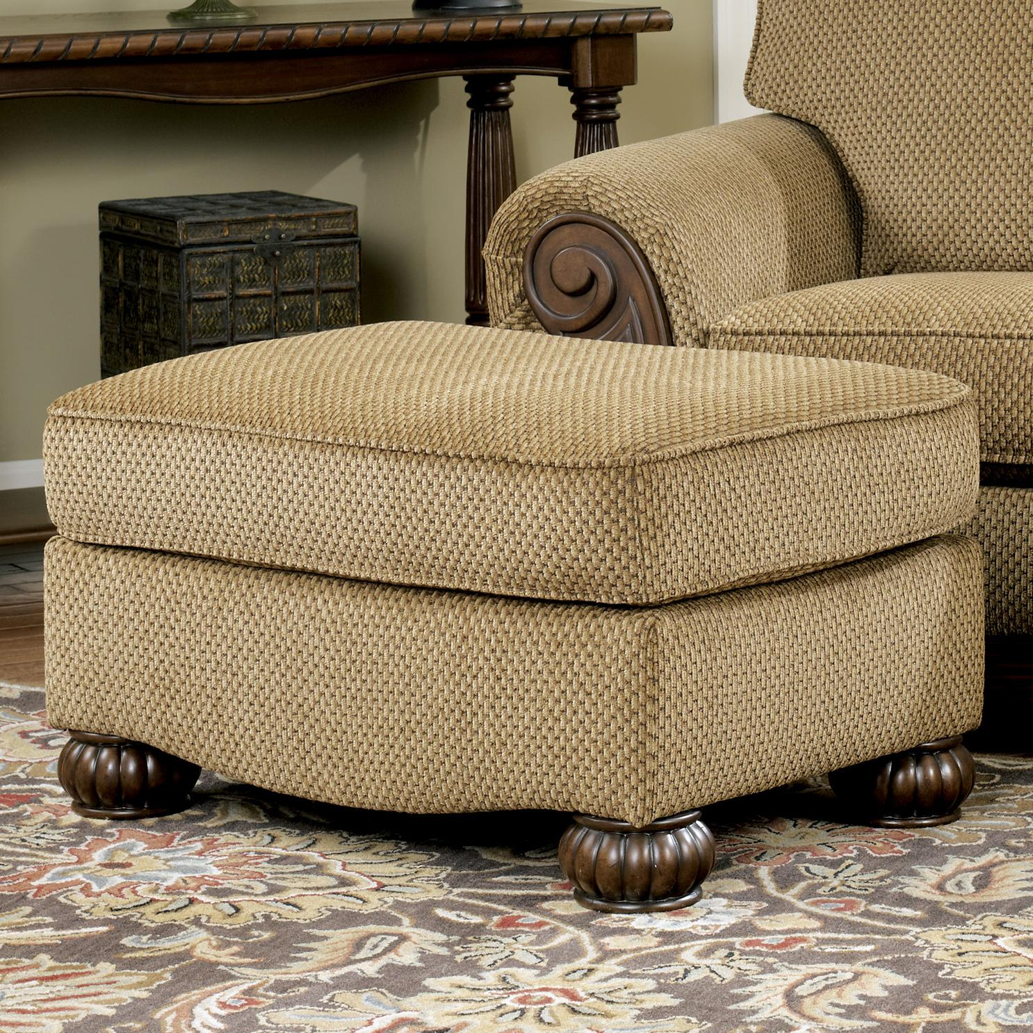 Signature Design by Ashley Lynnwood - Amber Ottoman - Item Number: 6850014