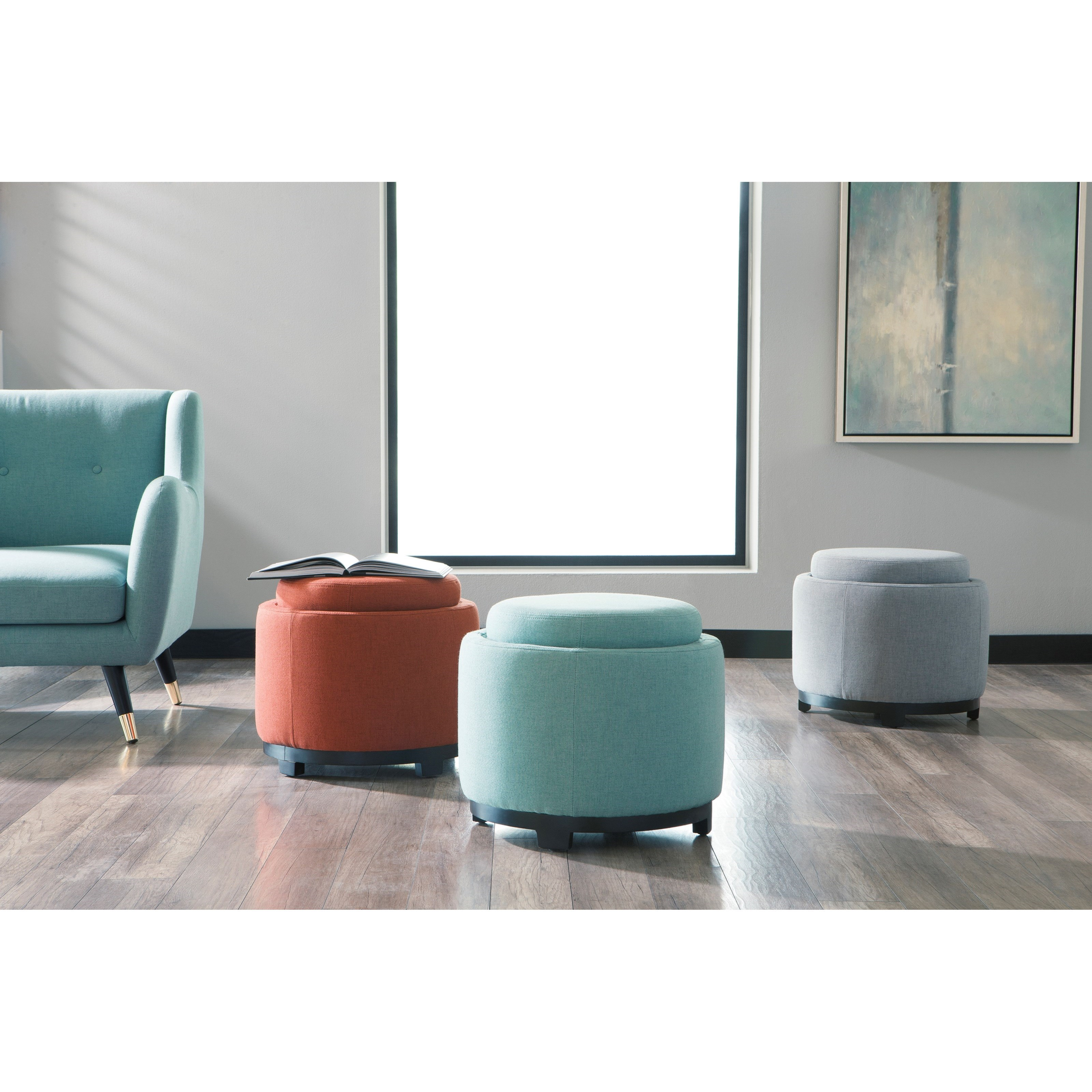Signature Design By Ashley Menga A3000035 Round Ottoman
