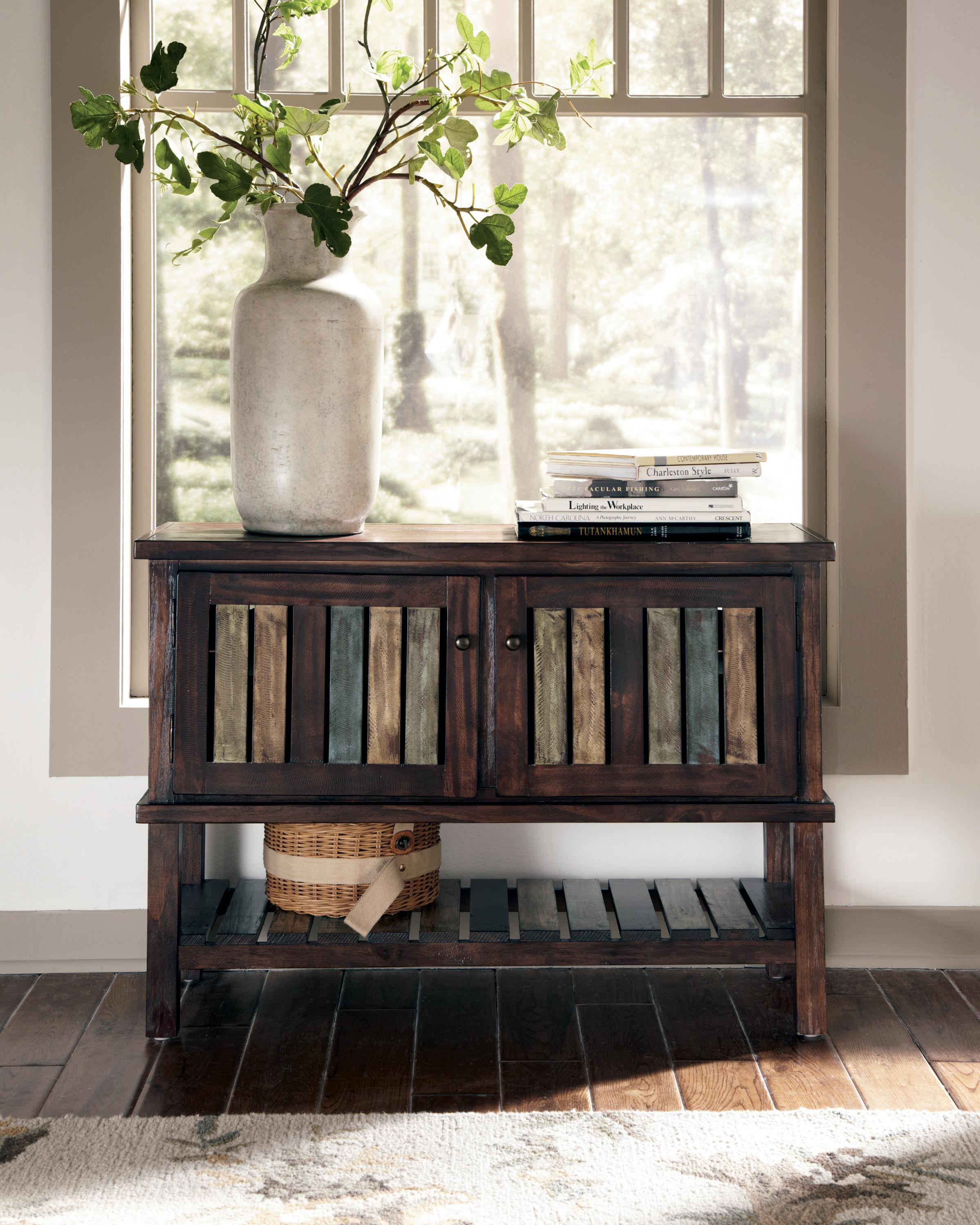 Signature Design By Ashley Mestler T580-40 Console With