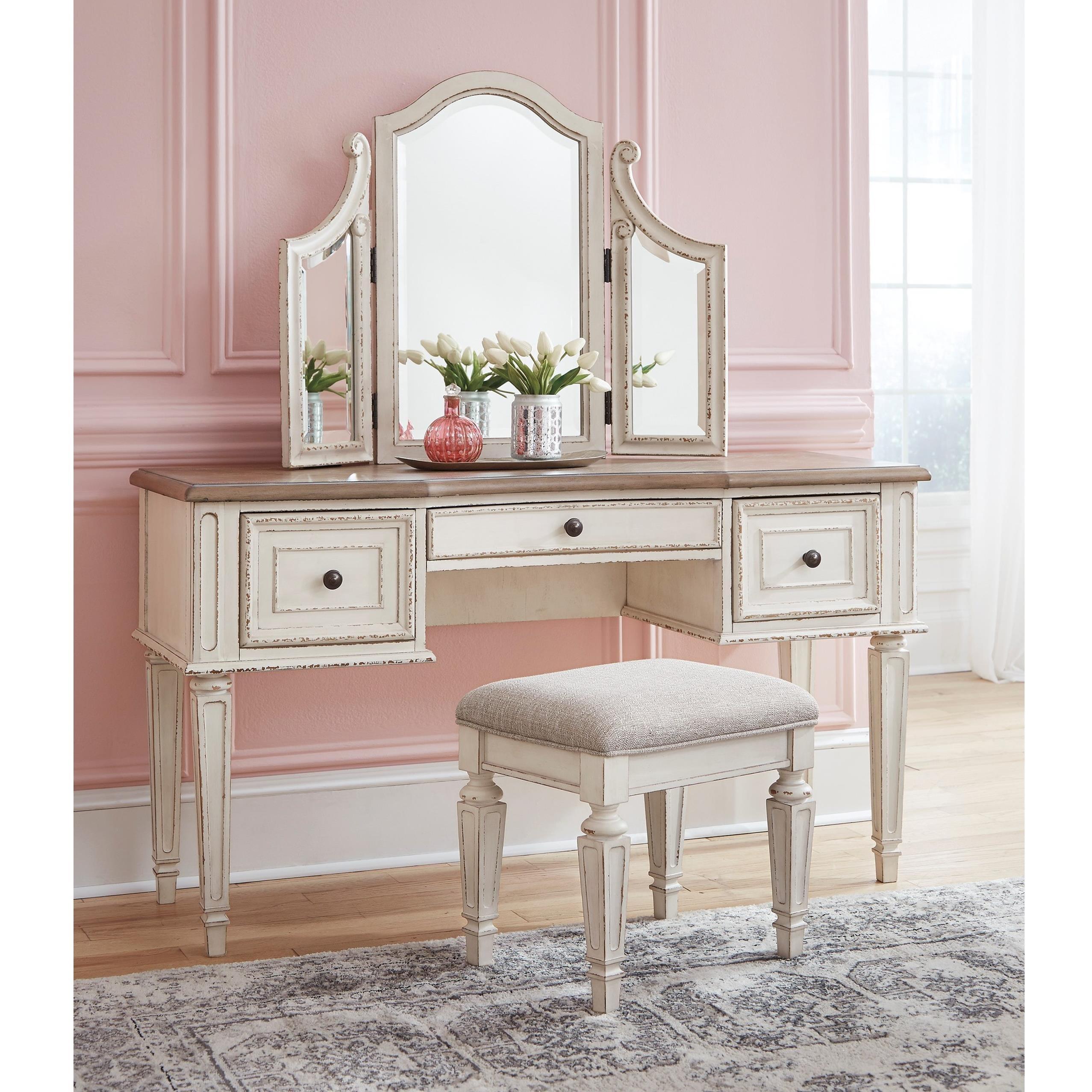 Realyn Bedroom Set Ashley Furniture