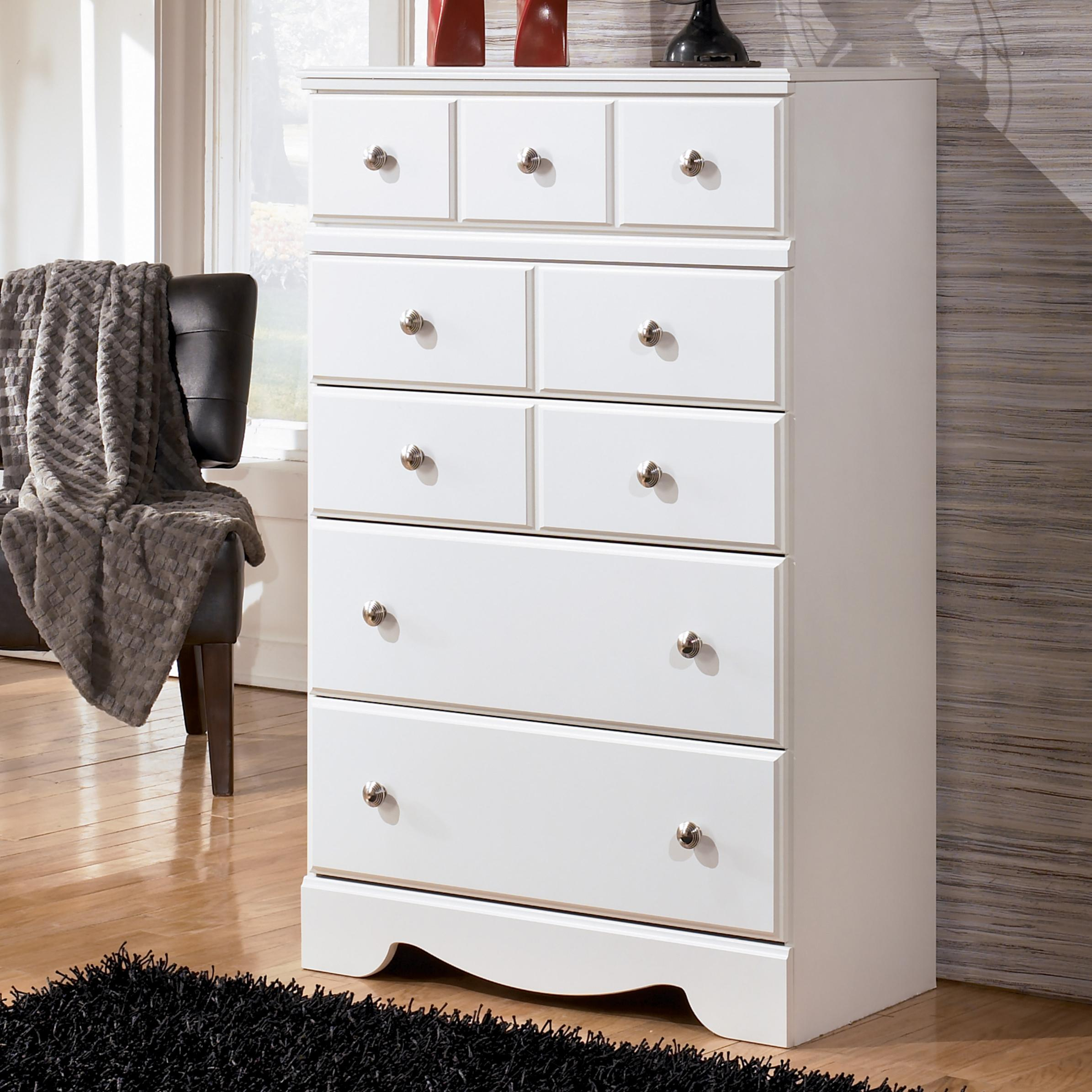 Signature Design By Ashley Weeki Contemporary 5 Drawer Chest Michael 39 S Furniture Warehouse