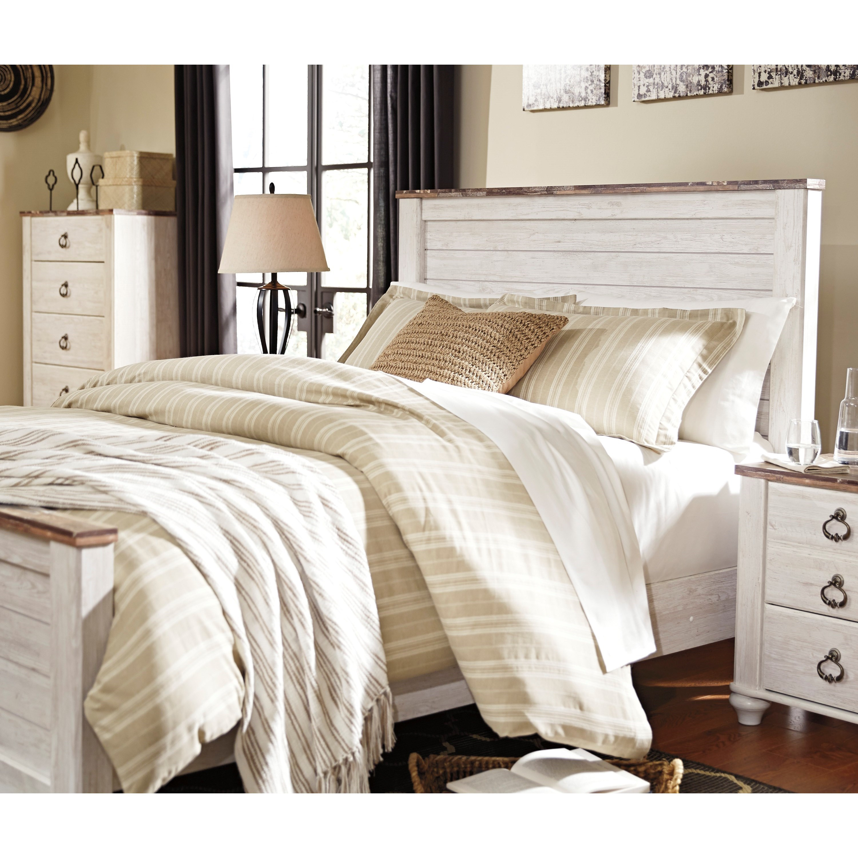 Signature Design By Ashley Willowton Queen Bedroom Group: Signature Design By Ashley Willowton Two-Tone Queen Panel