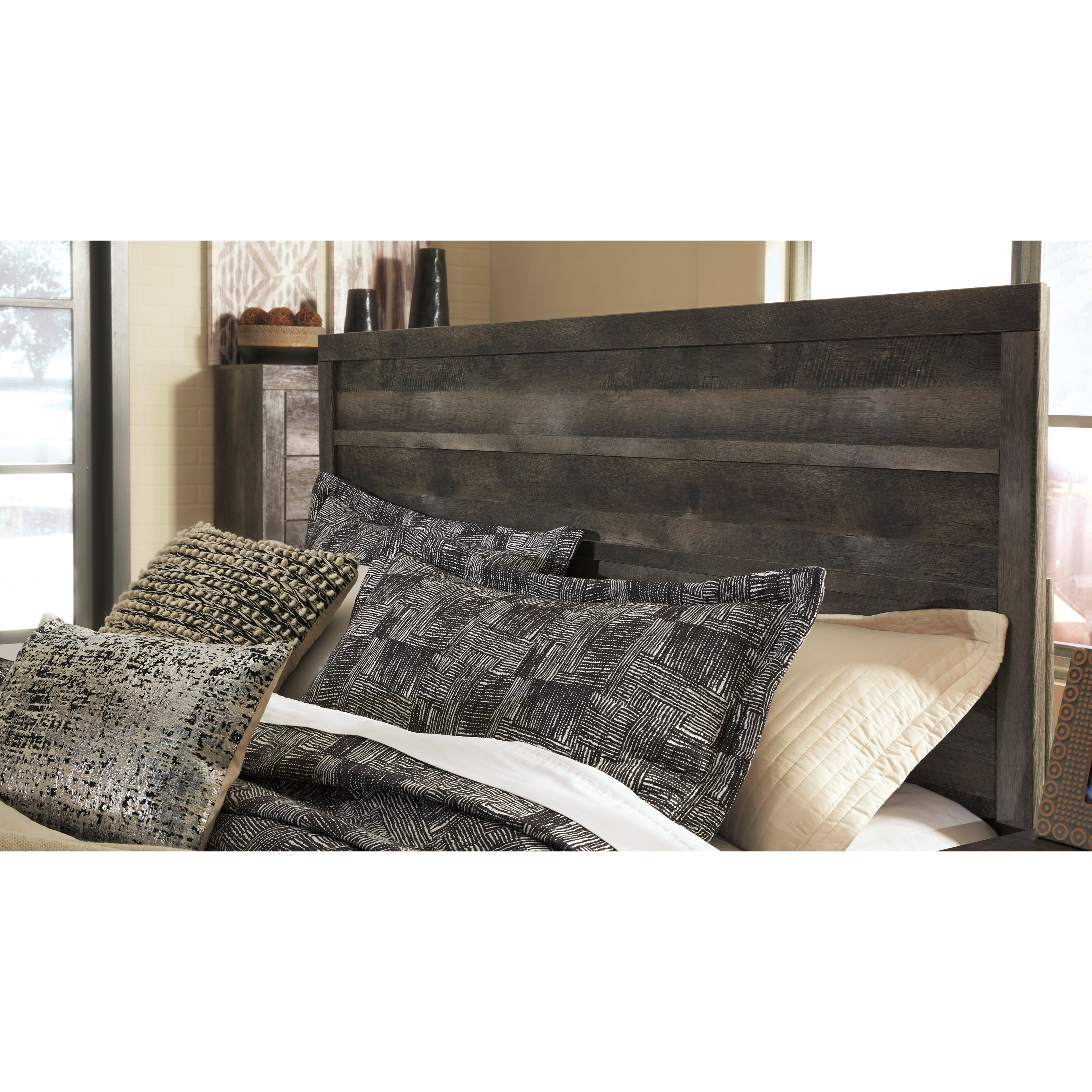 Signature Design By Ashley Wynnlow Queen Rustic Plank Effect Panel Bed Royal Furniture