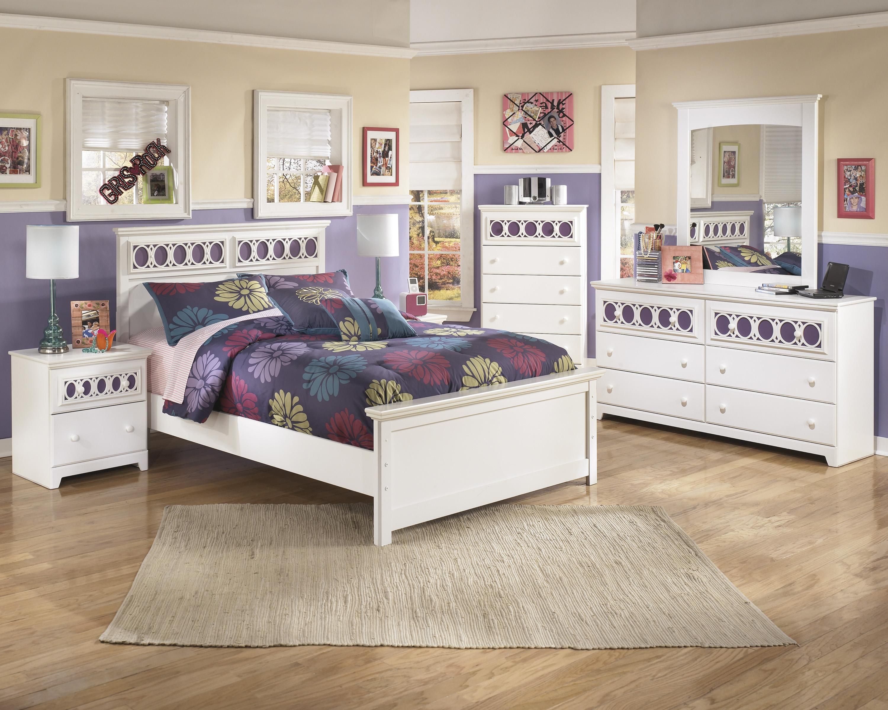 Signature design by ashley zayley full bedroom group - Ashley furniture full bedroom sets ...