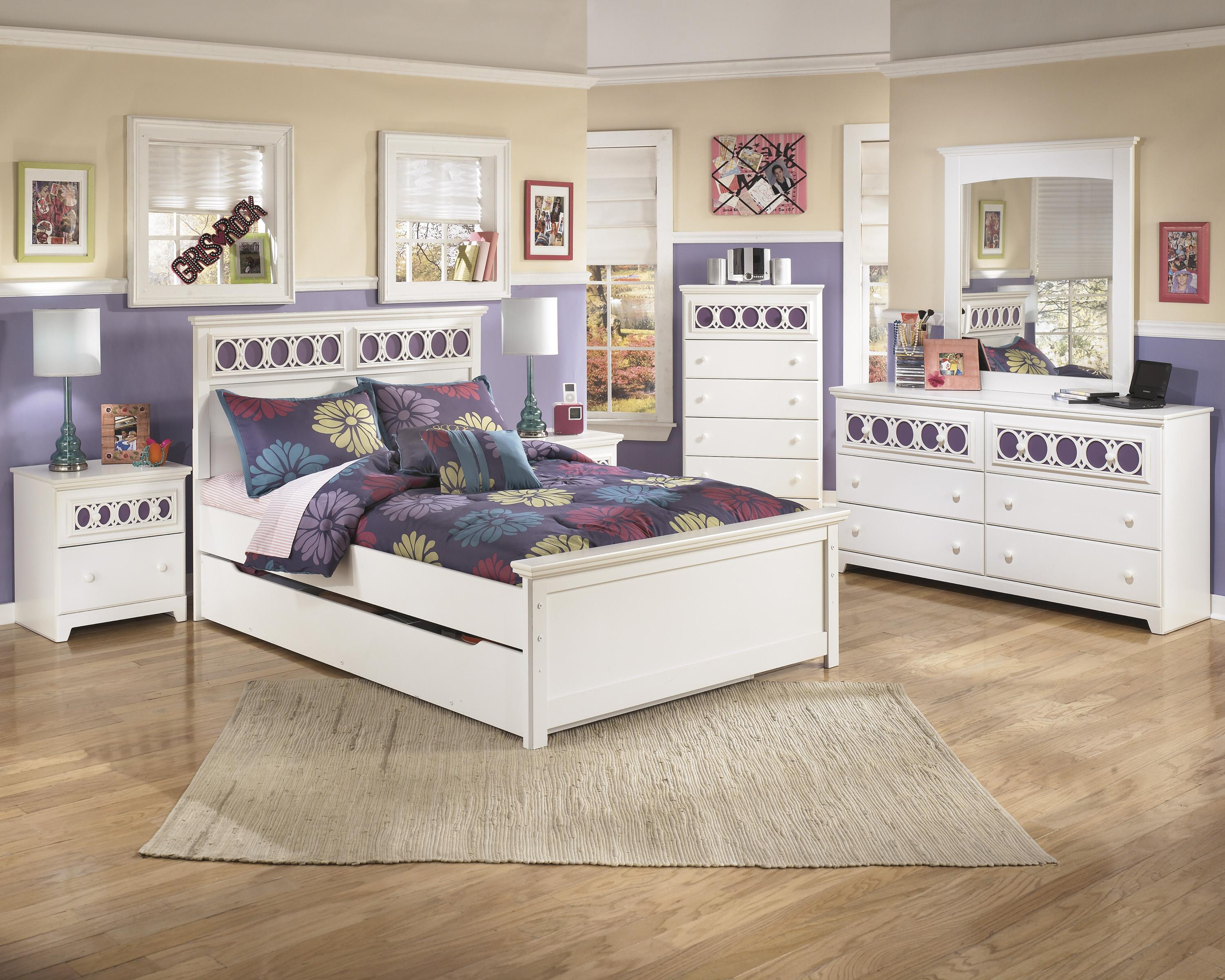Signature Design by Ashley Zayley Full Bedroom Group - Item Number: B131 F Bedroom Group 3
