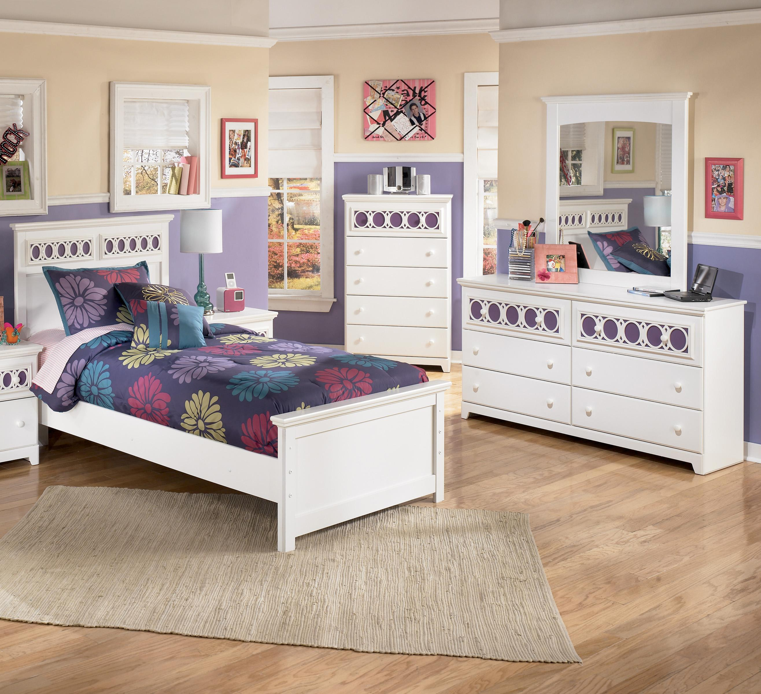 Signature Design by Ashley Zayley 3 Piece Twin Bedroom Group - Item Number: B131 T 3 Piece