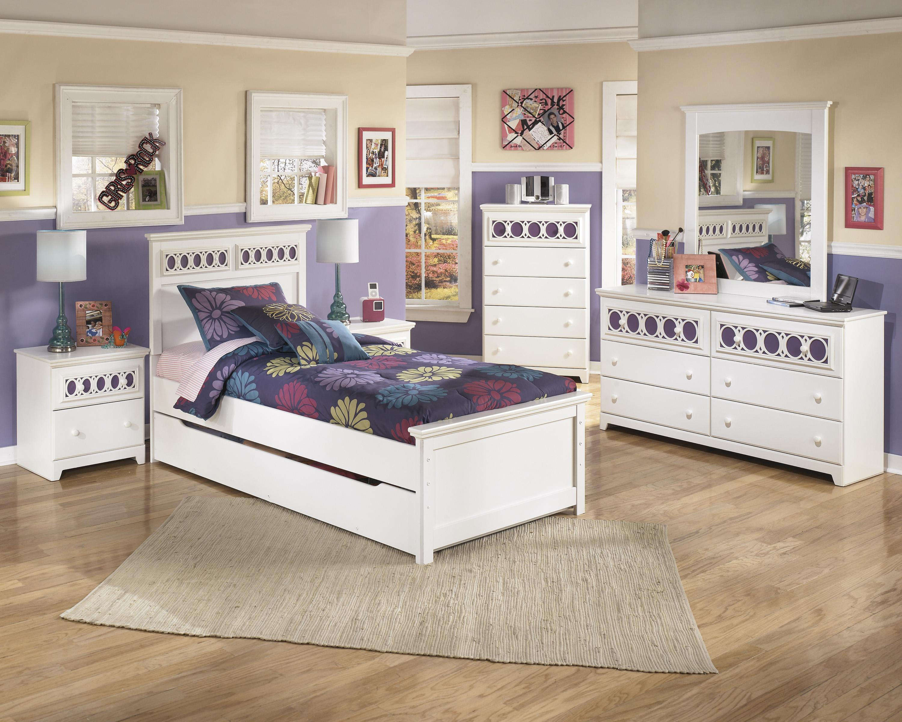 Signature Design by Ashley Zayley Twin Bedroom Group - Item Number: B131 T Bedroom Group 3