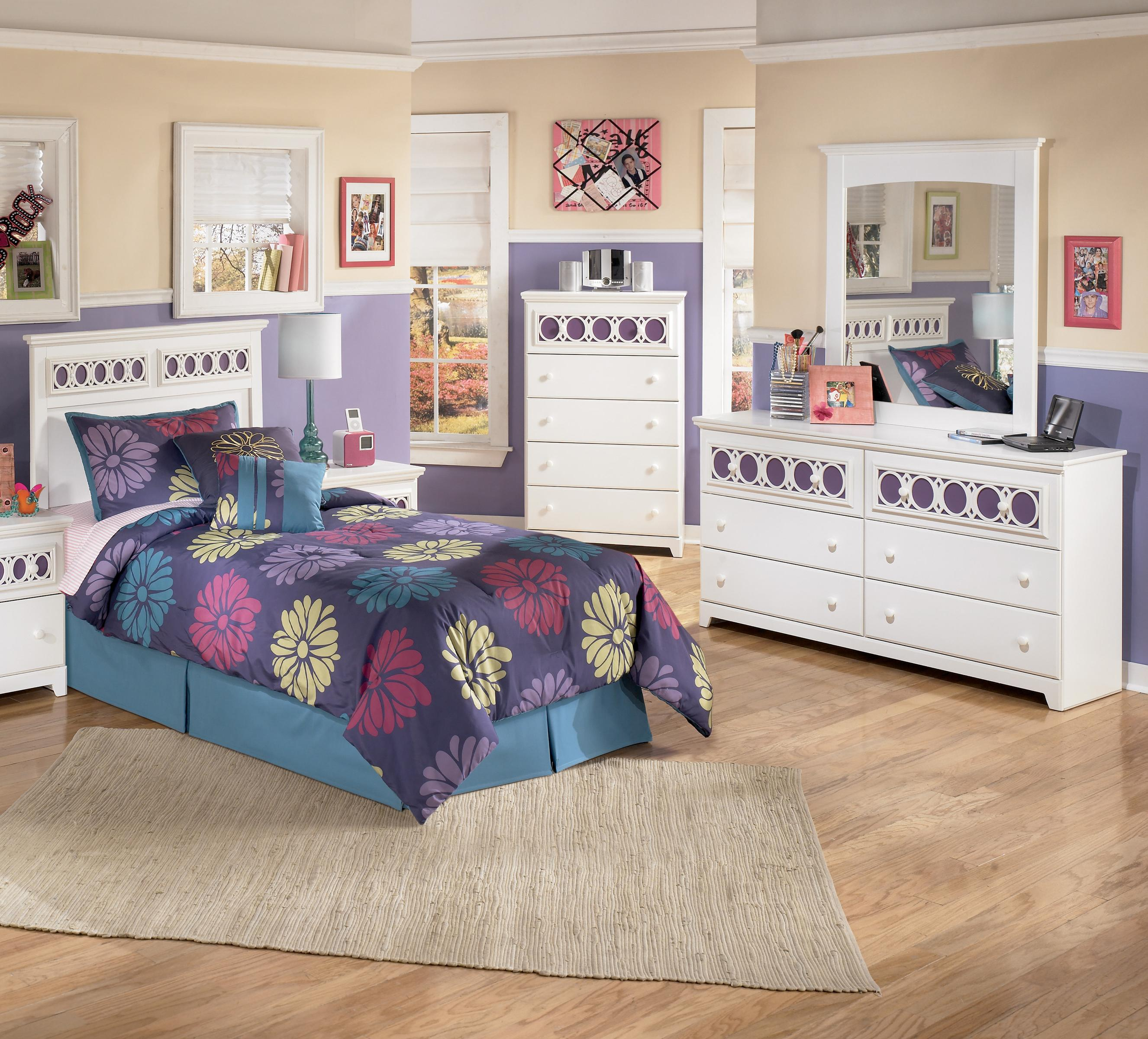 Signature Design by Ashley Zayley 3 Piece Twin Bedroom Group - Item Number: B131 T HB 3 Piece