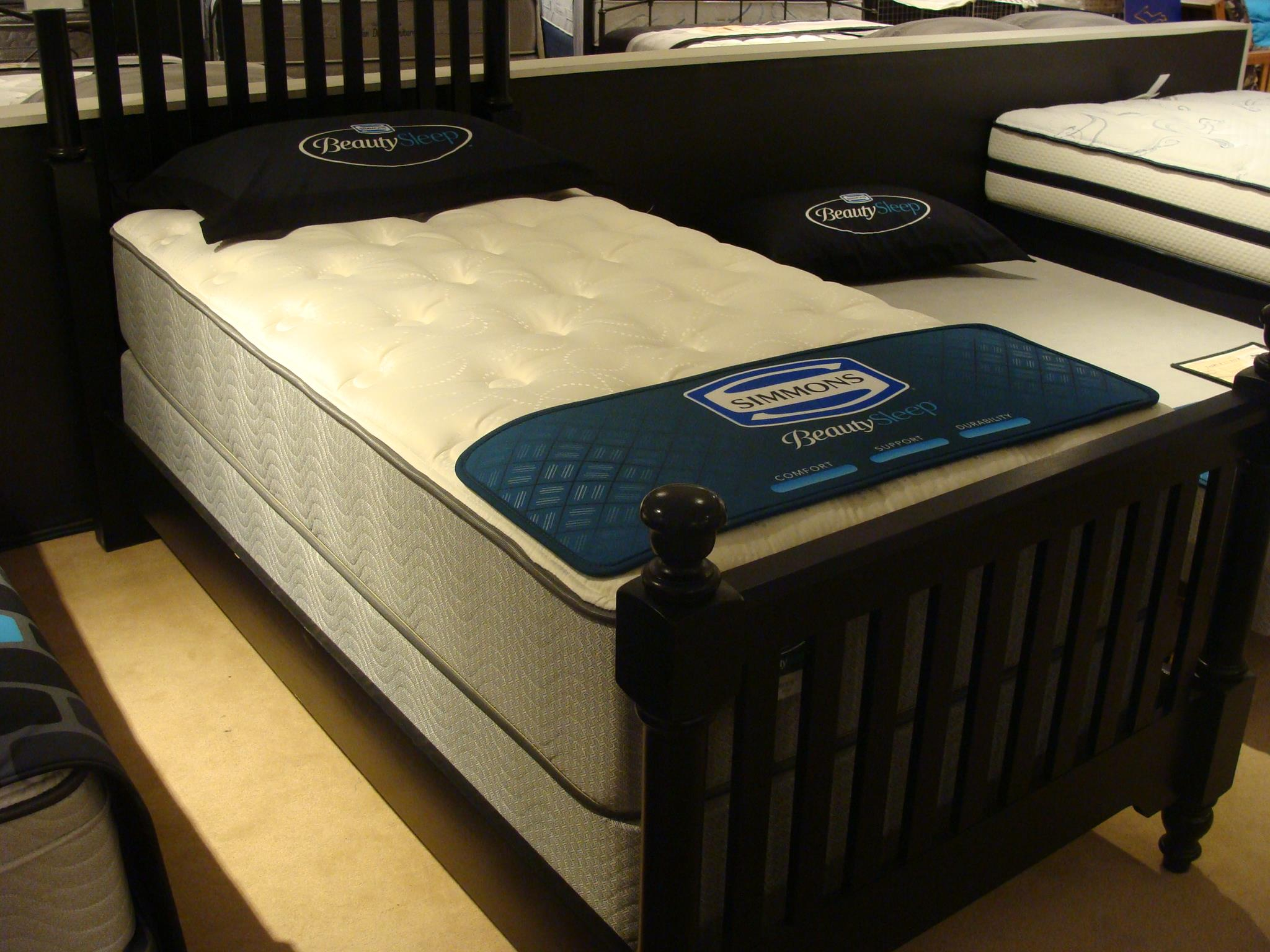 Simmons Persia Plush Twin Plush Mattress Only Vandrie Home Furnishings Mattresses