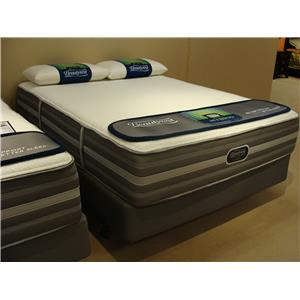Simmons Wickford Plush Queen Plush Mattress Set