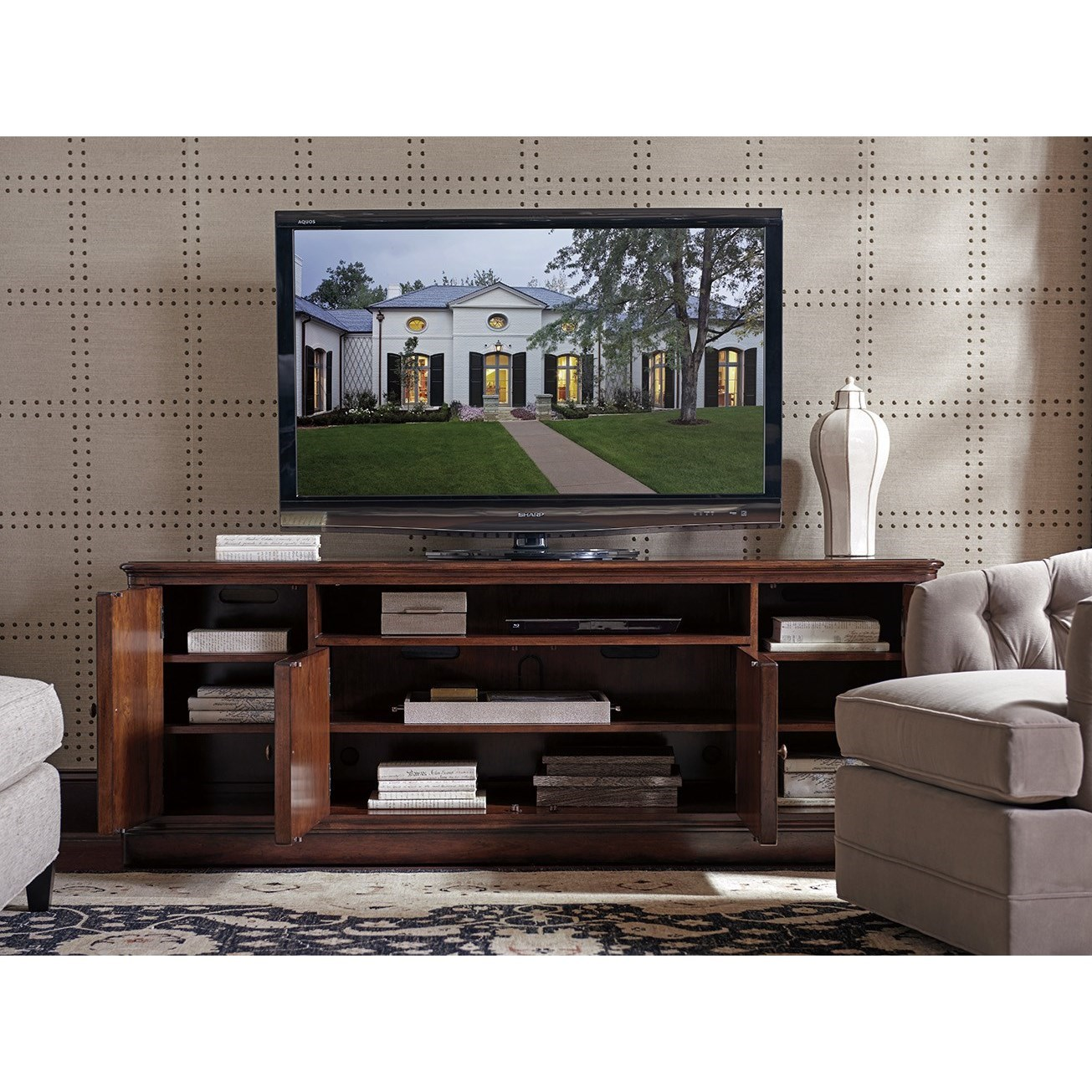 Sligh Richmond Hill Waycroft Tv Stand With Four Doors And