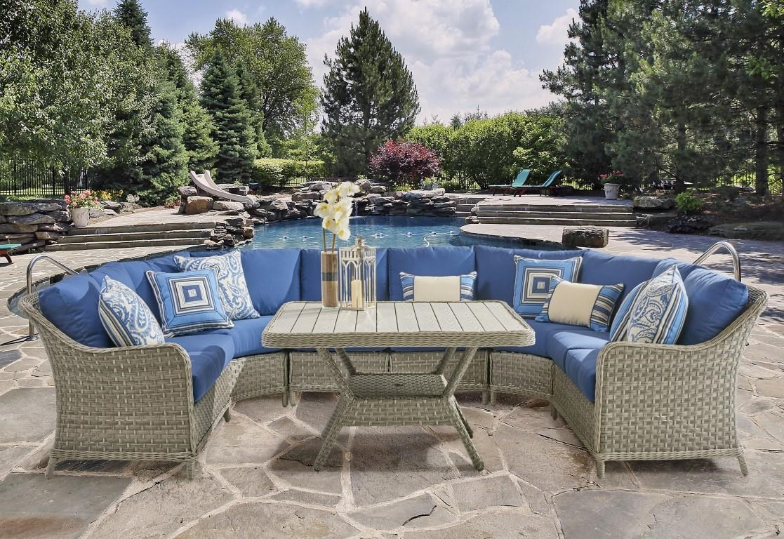 South Sea Rattan & Wicker Mayfair 2016 4PC Mayfair Sectional w/ 6 Pillows - Item Number: 9954445