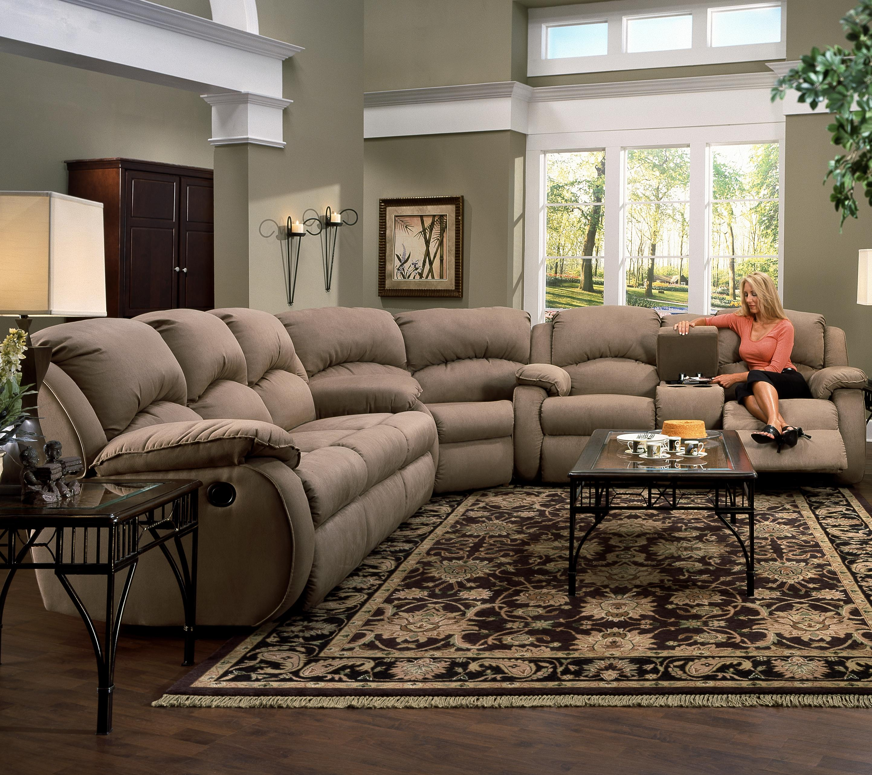 Southern Motion Cagney Sectional Sofa - Item Number: 705-28+83+31