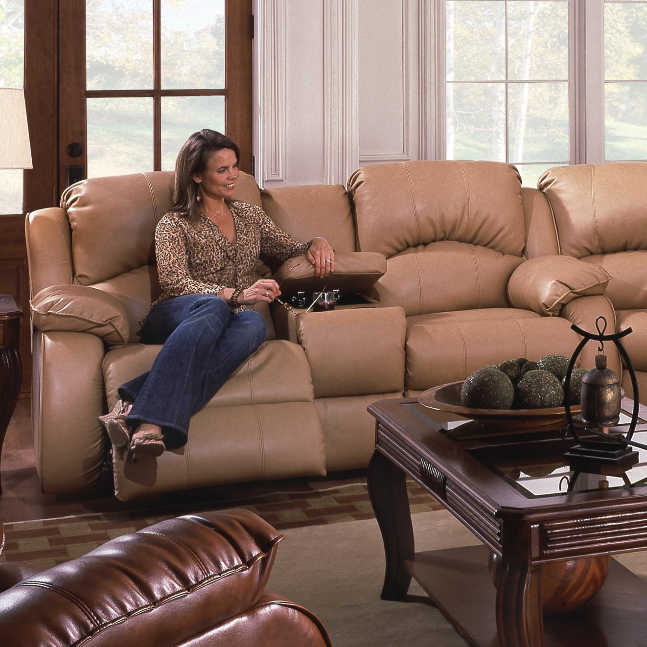 Southern Motion Cagney Console Sofa - Item Number: 705-28L