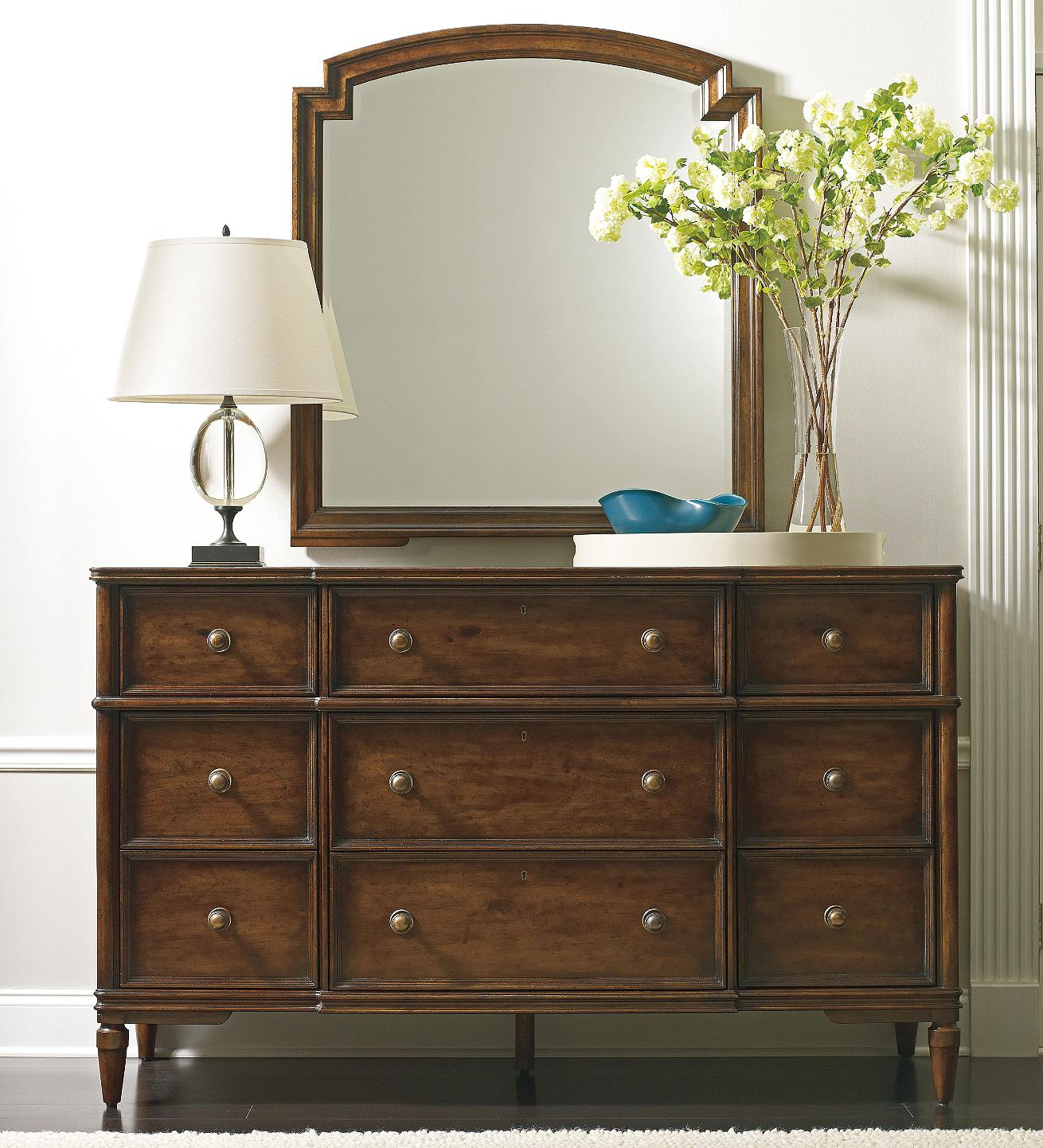 The Classic Portfolio   Vintage Antiqued Dresser U0026 Mirror Set By Stanley  Furniture