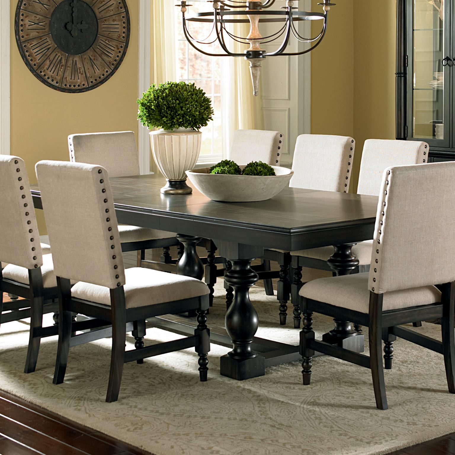 Steve Silver Leona Dining Table   Item Number: LY500B+T