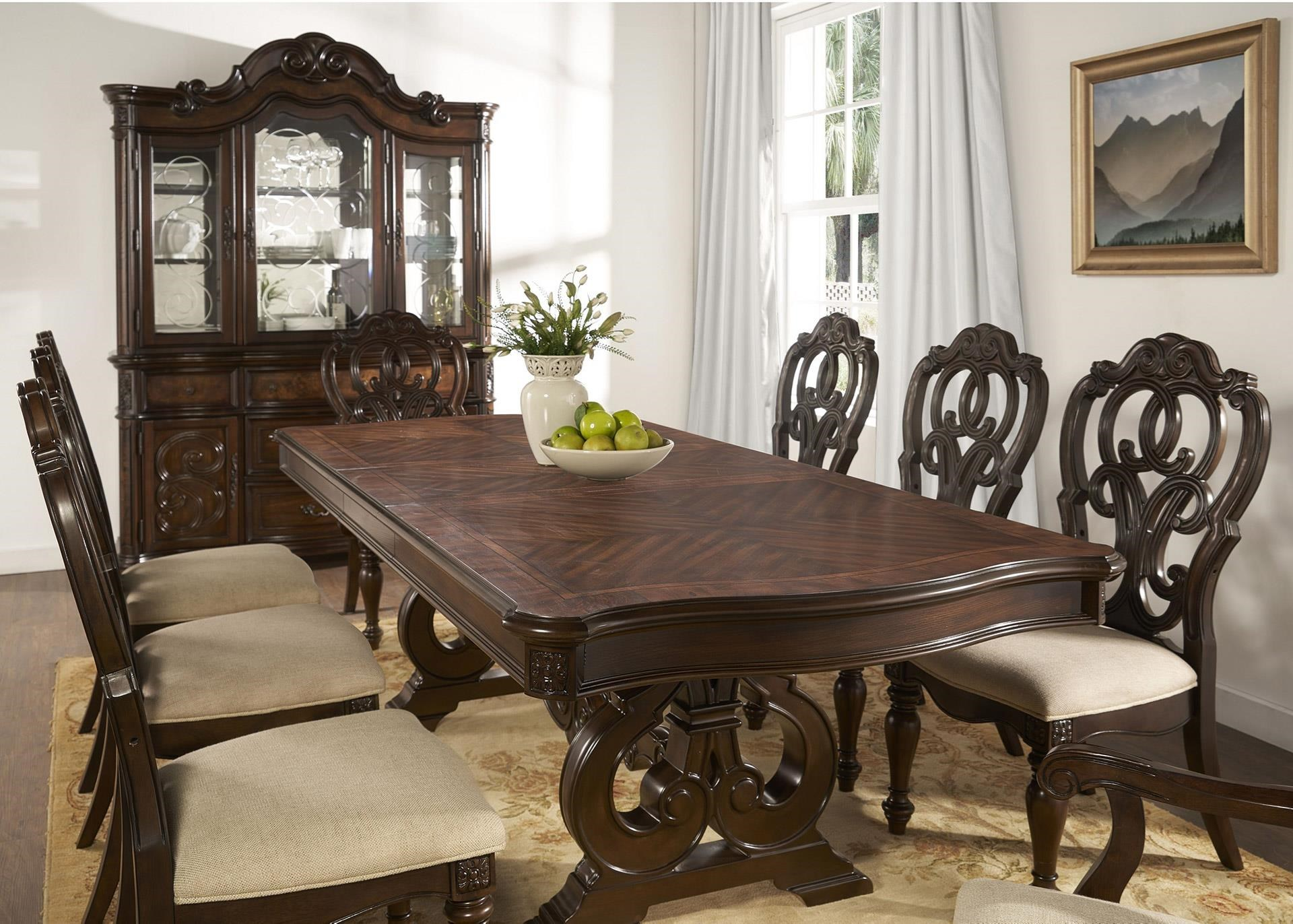 Pedestal Table with 6 Chairs
