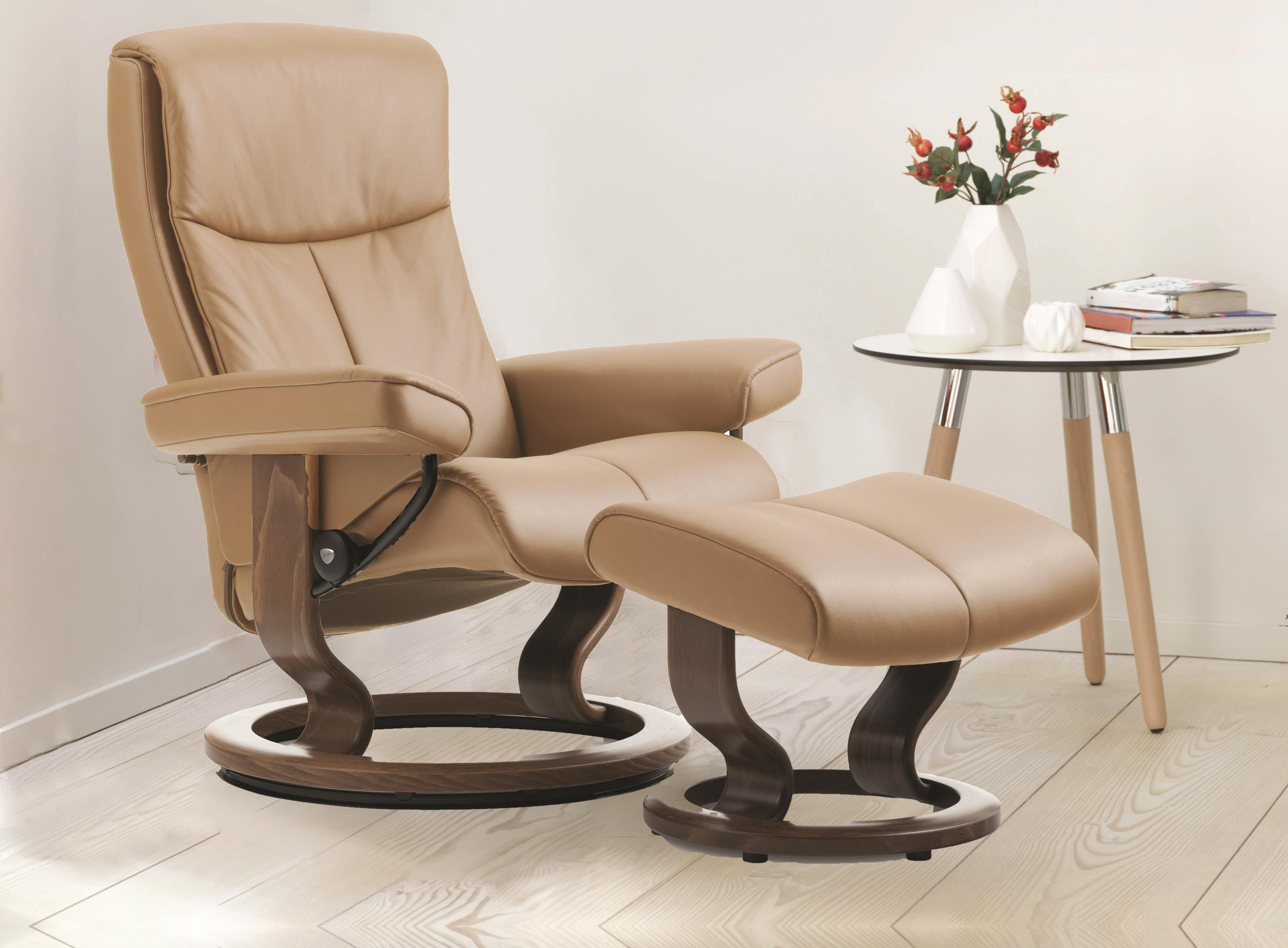 Peace Classic Medium Reclining Chair and Ottoman by Stressless at Baer's Furniture