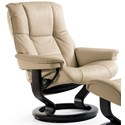 Stressless Mayfair Medium Reclining Chair with Classic Base - Item Number: 17310100942103